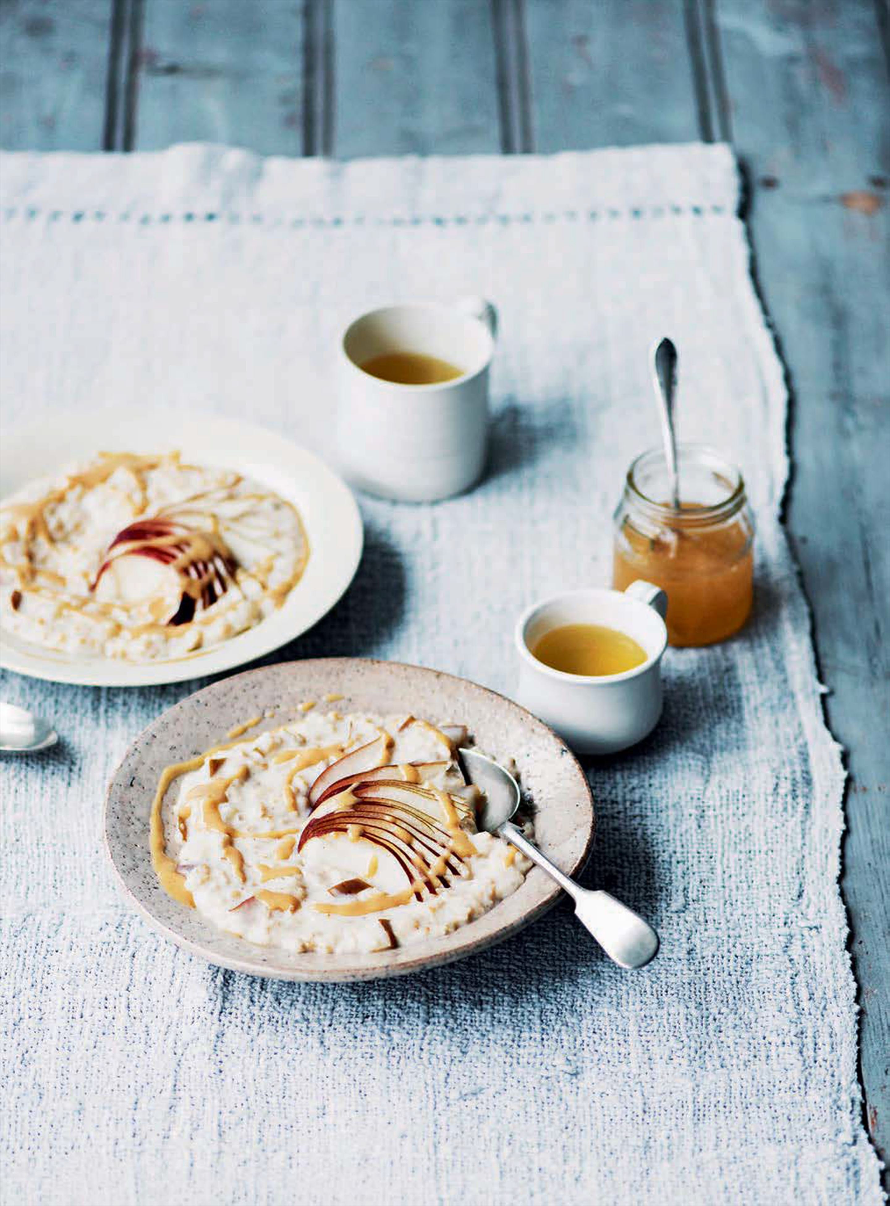 Pear and tahini porridge