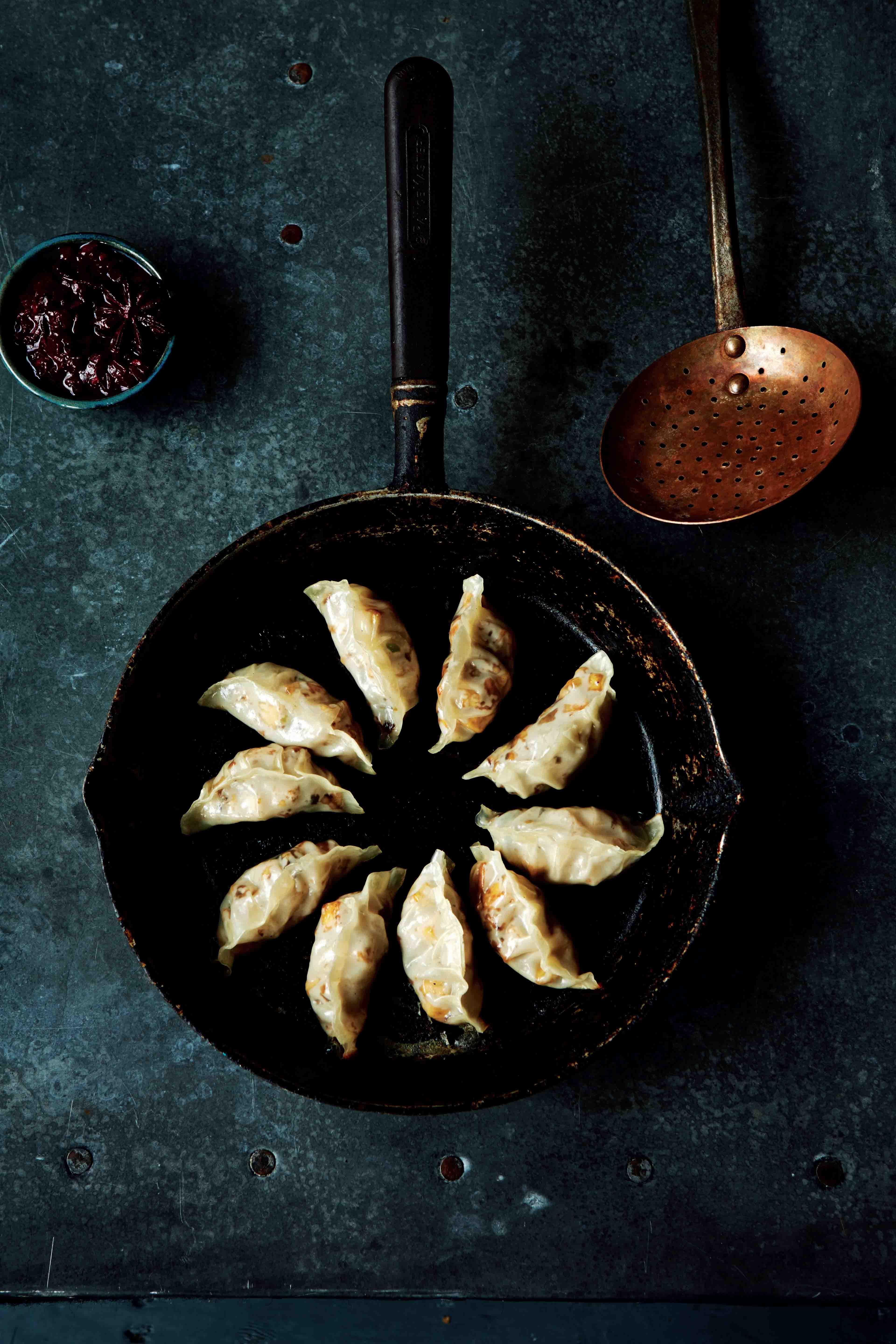 Steamed gyoza with mushroom & tofu filling