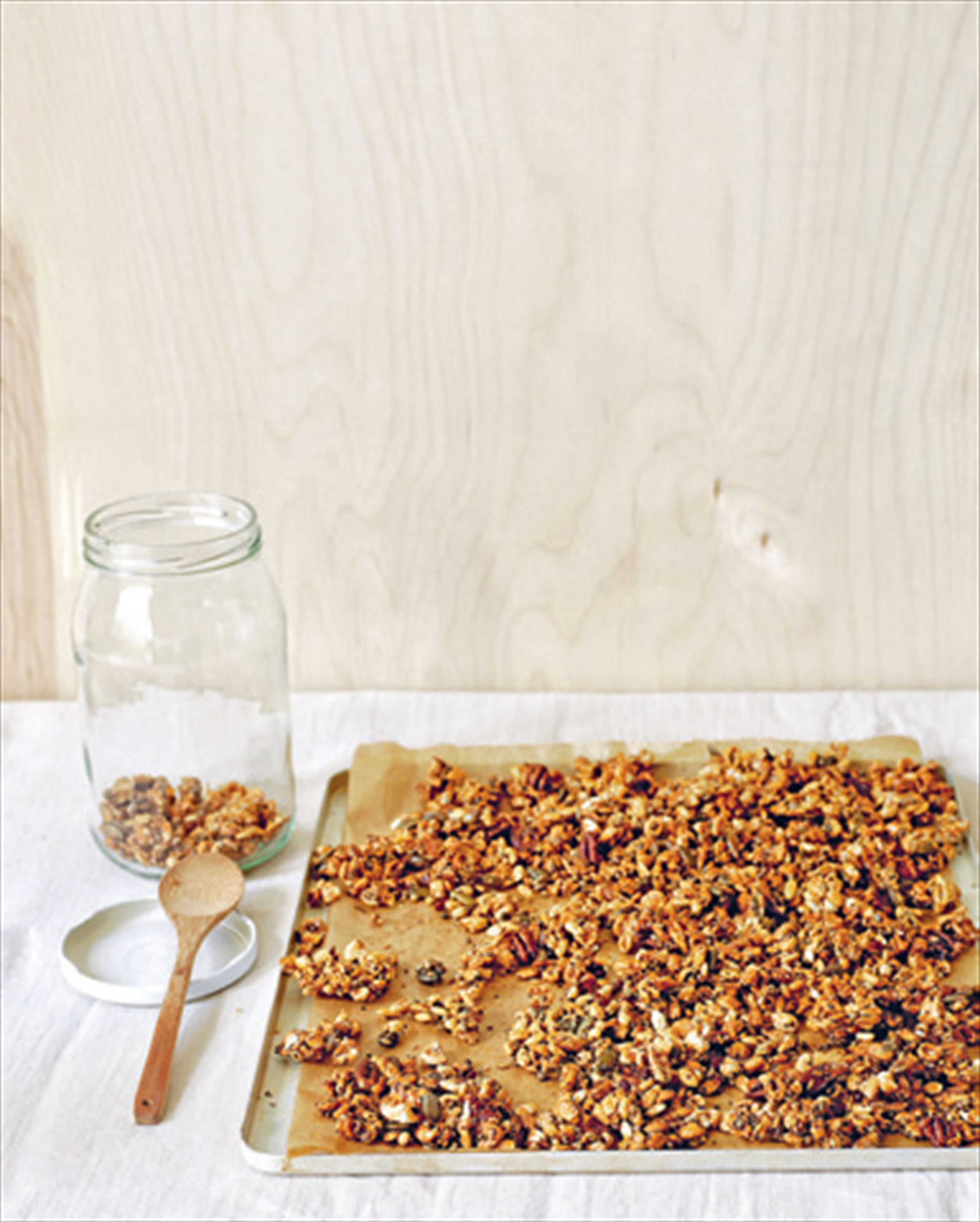 Honey-puffed wholegrain cereal