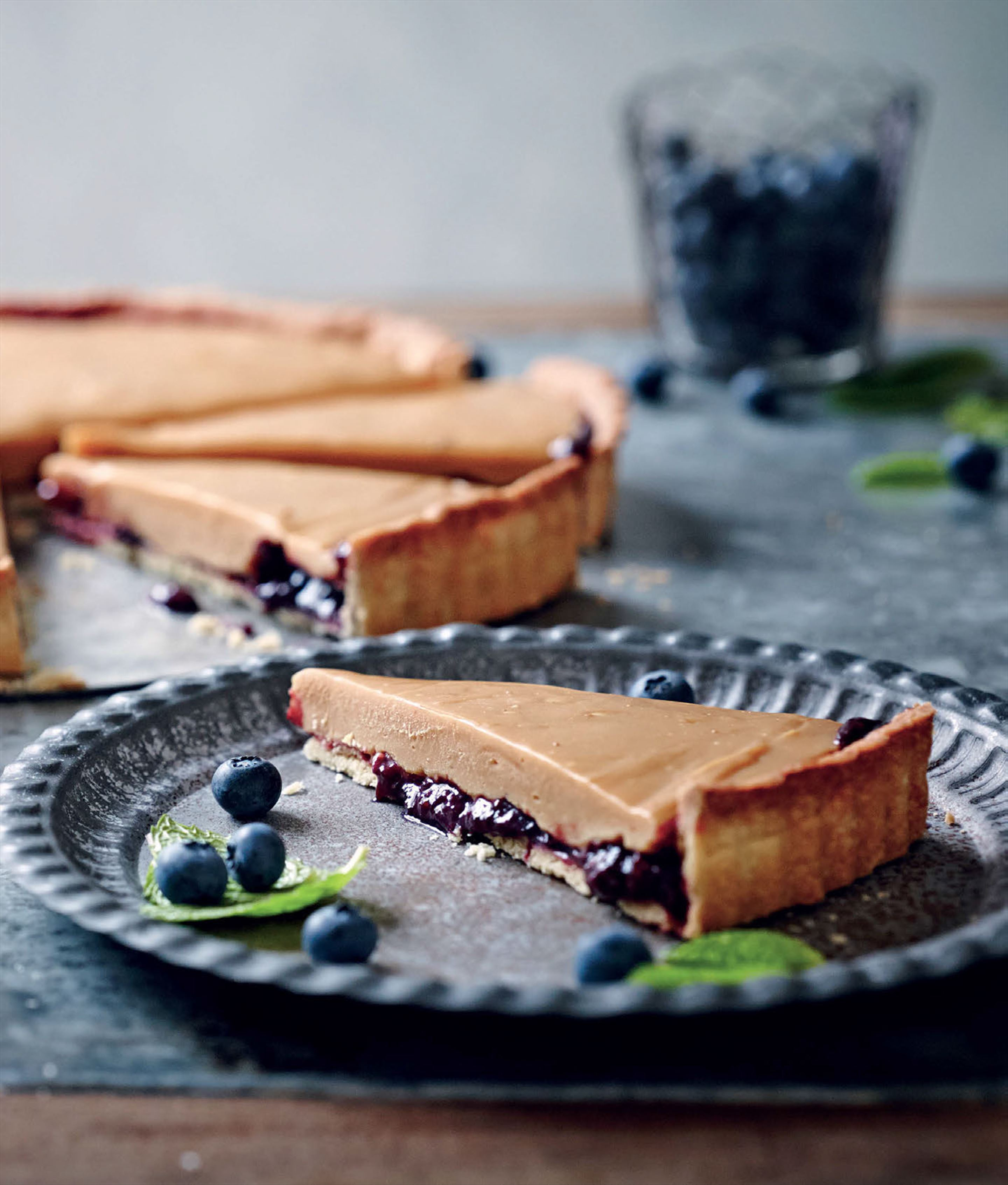 Caramelised white chocolate and berry tart