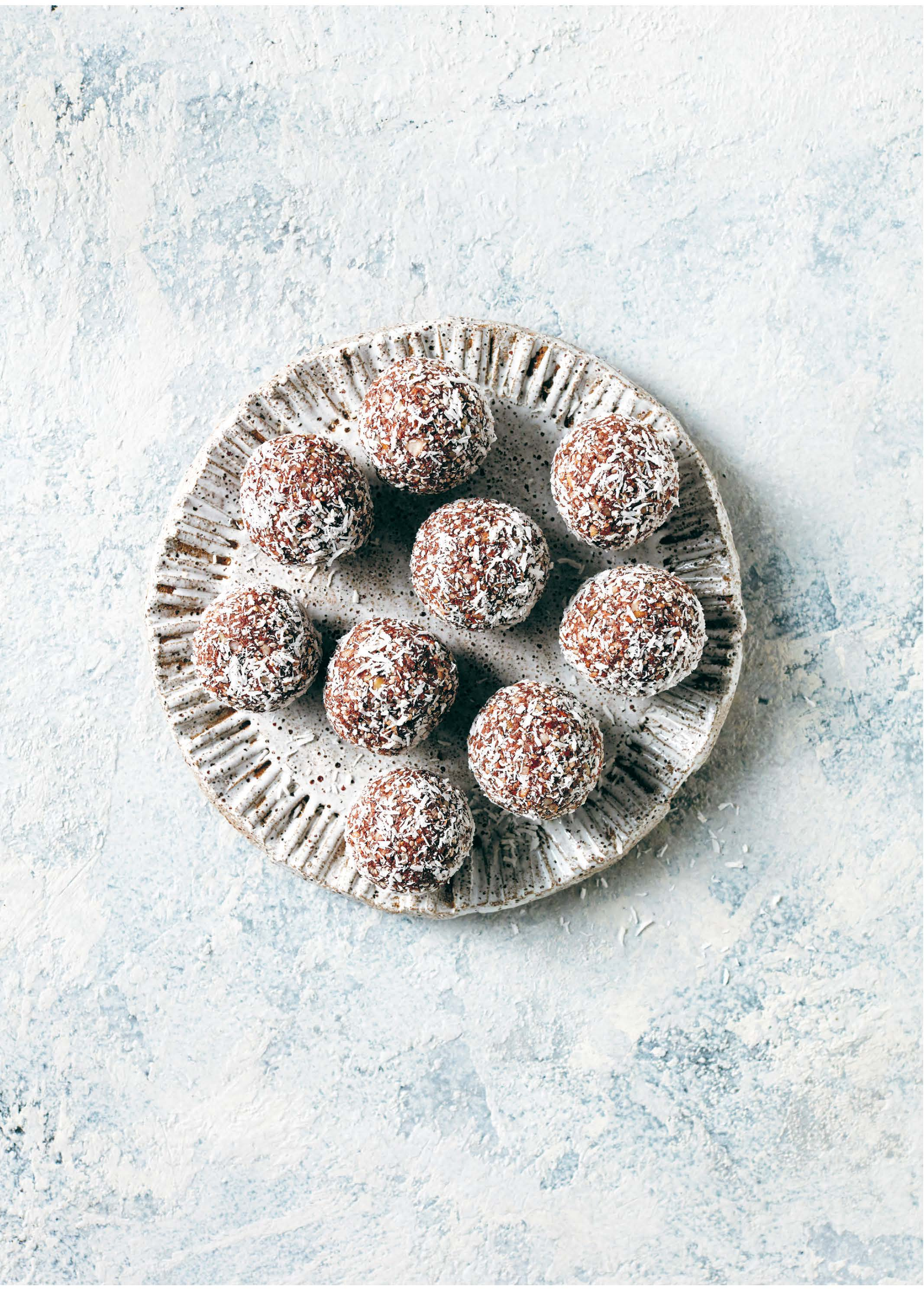 SUPERFOOD SUPER-GOOD BLISS BALLS