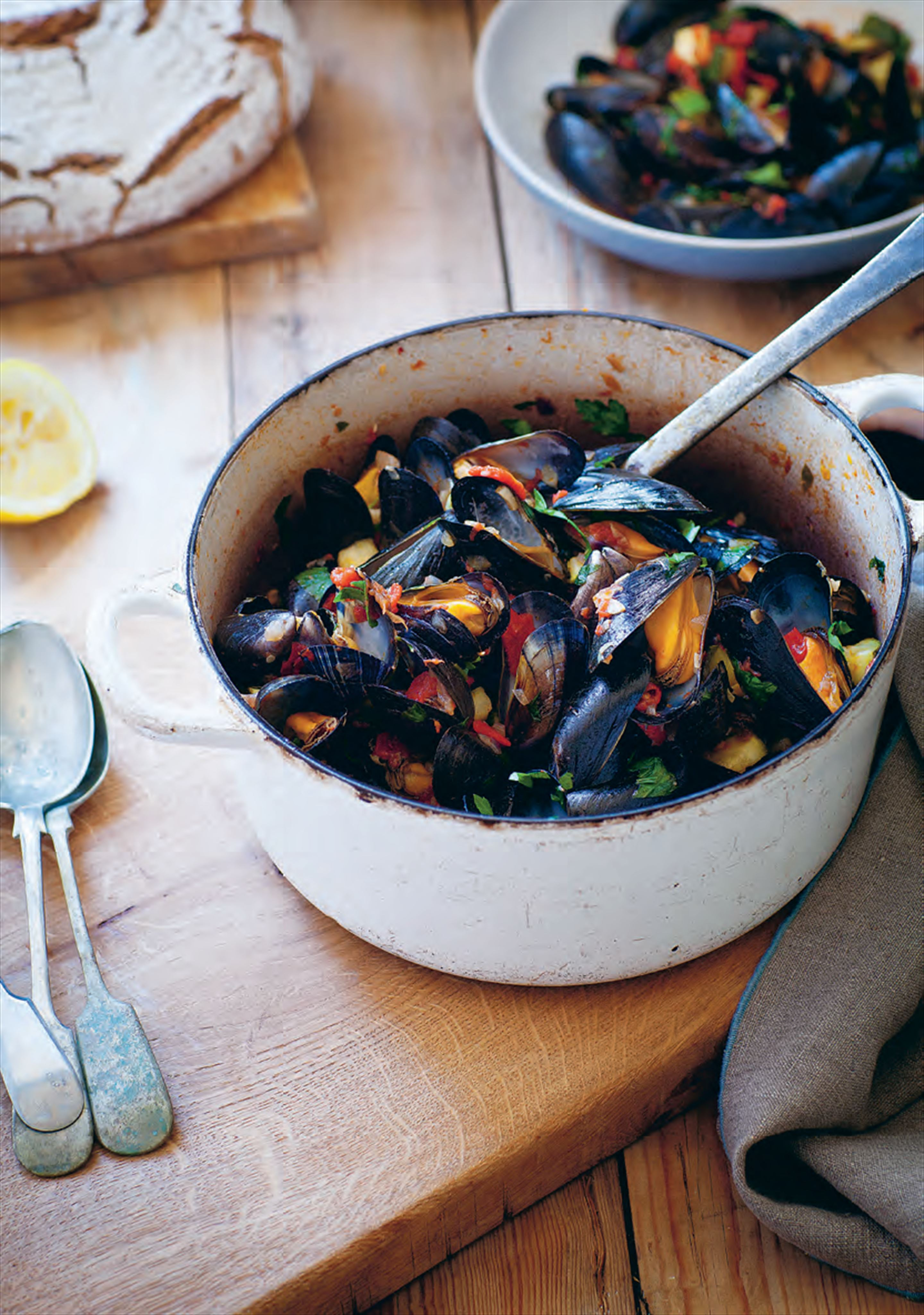 Mussels with piquillo peppers, capers and courgettes