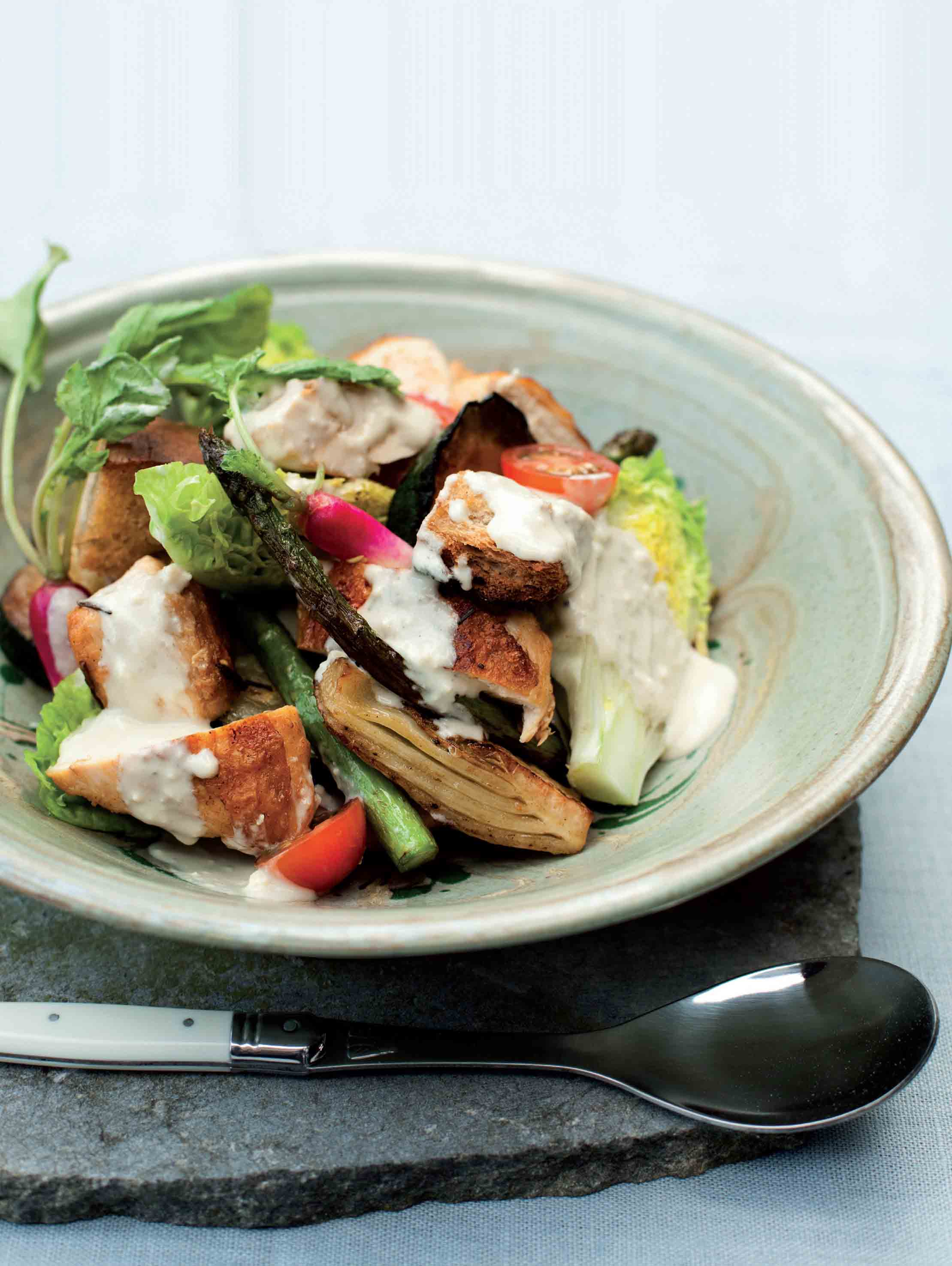 Char-grilled chicken, summer vegetables and croûtons with blue cheese dressing