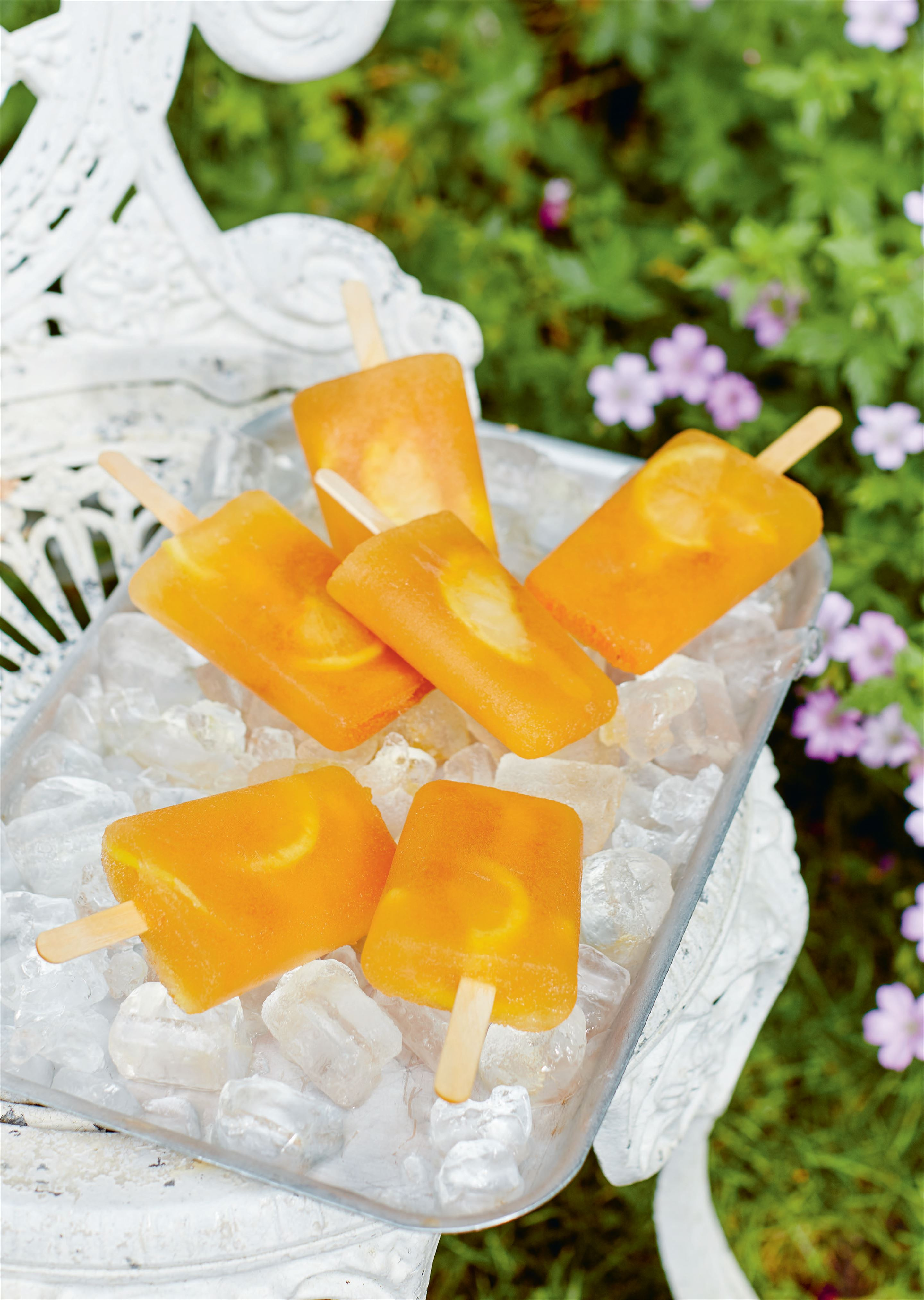 Lemon iced tea ice lolly