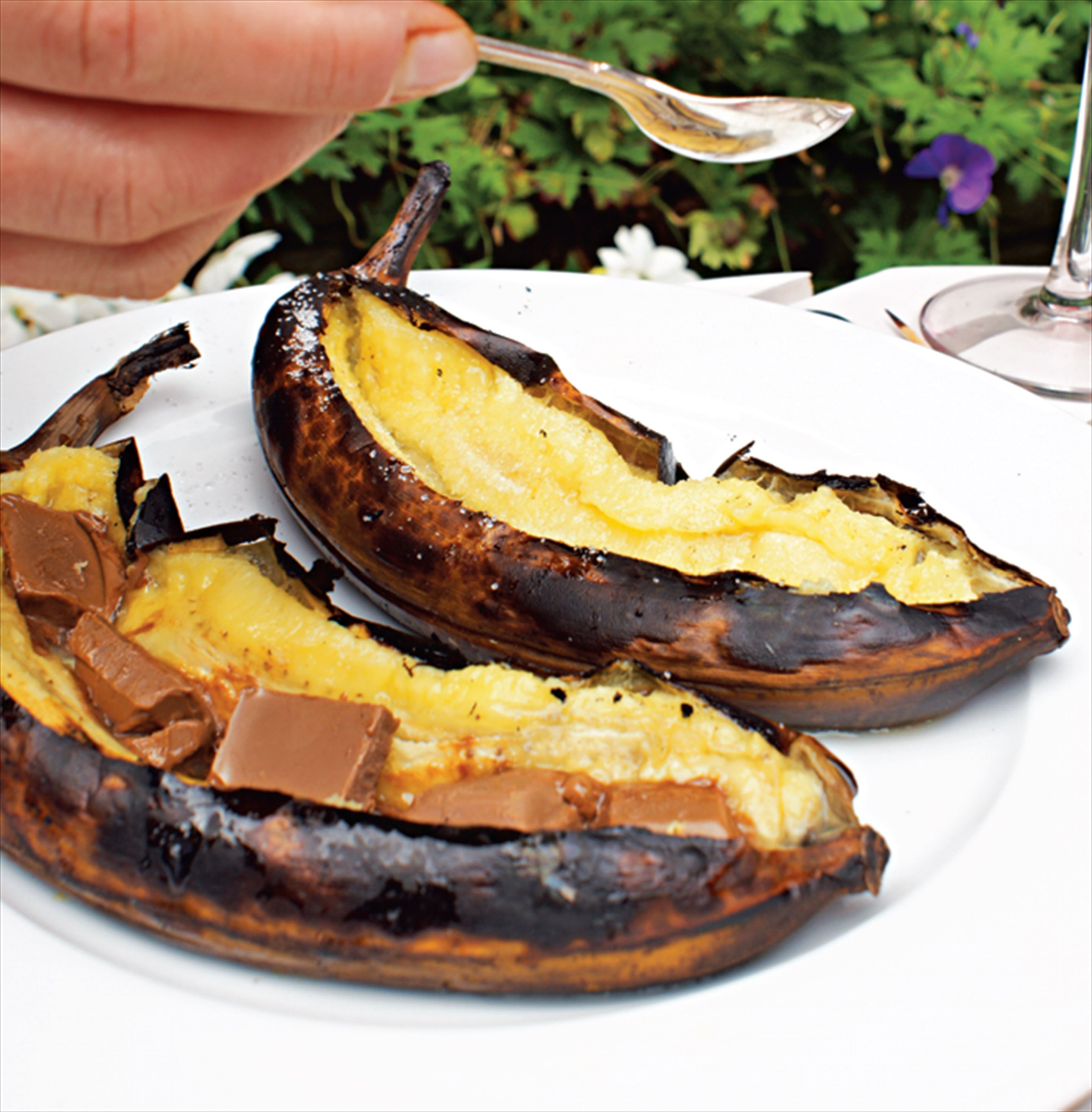 Barbecued bananas