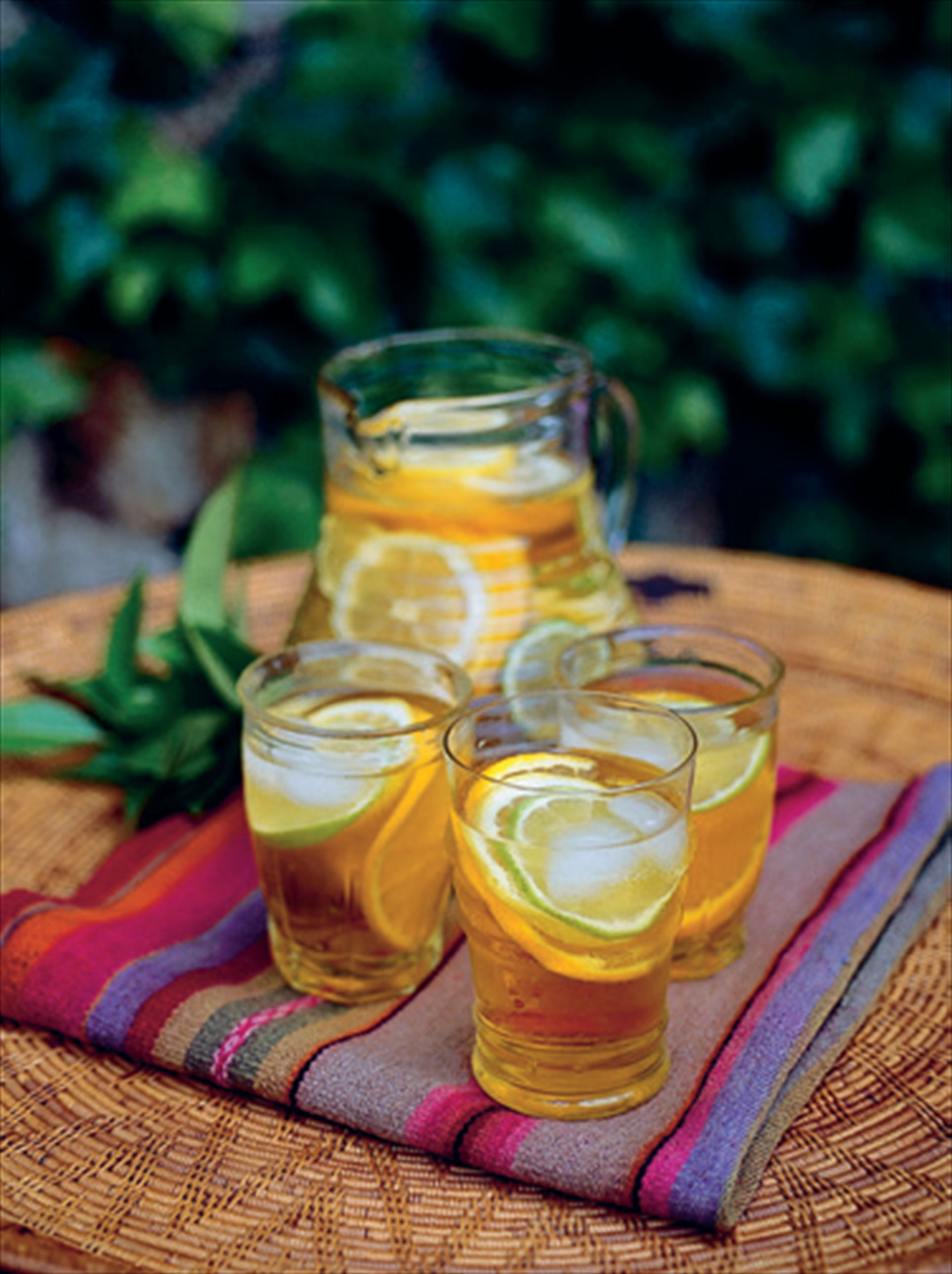 Earl Grey punch with citrus