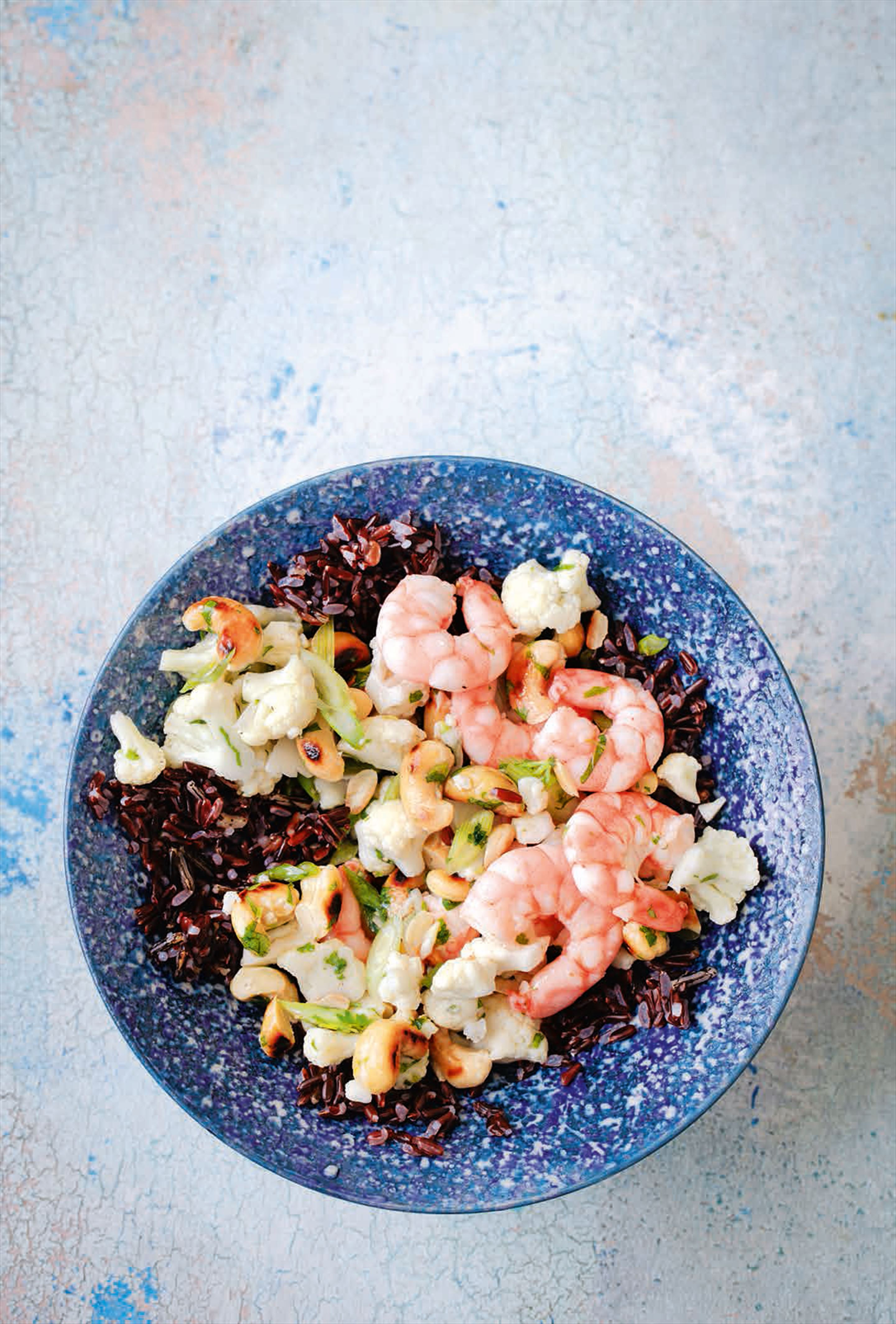 Prawn, cashew & black rice salad