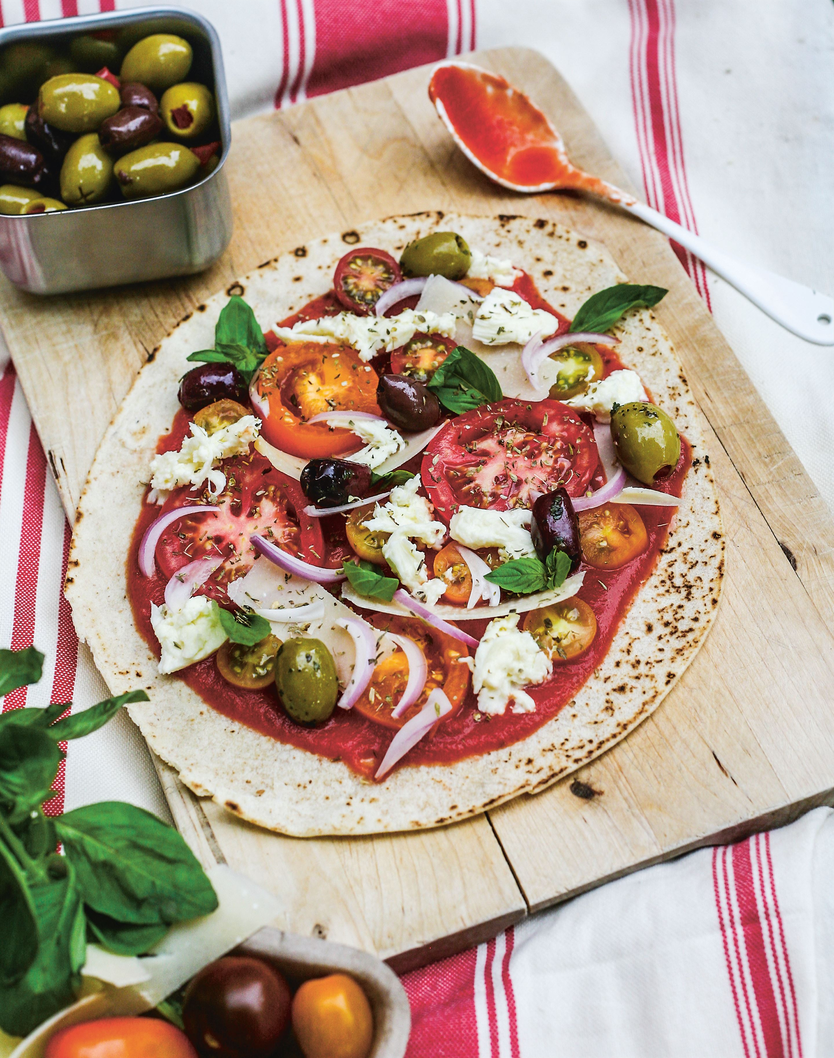 No-bake mediterranean flatbread pizza