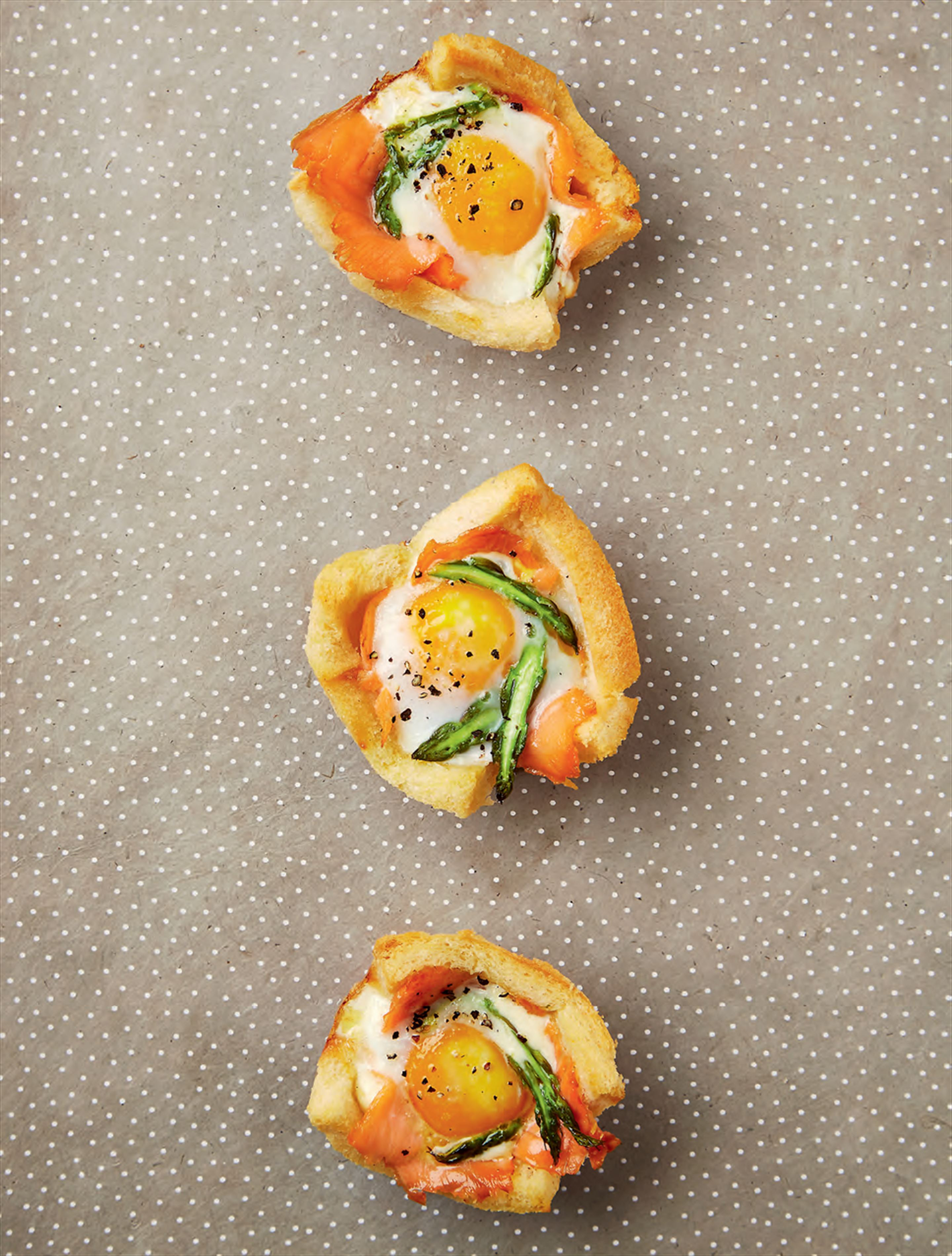 Smoked salmon breakfast cups
