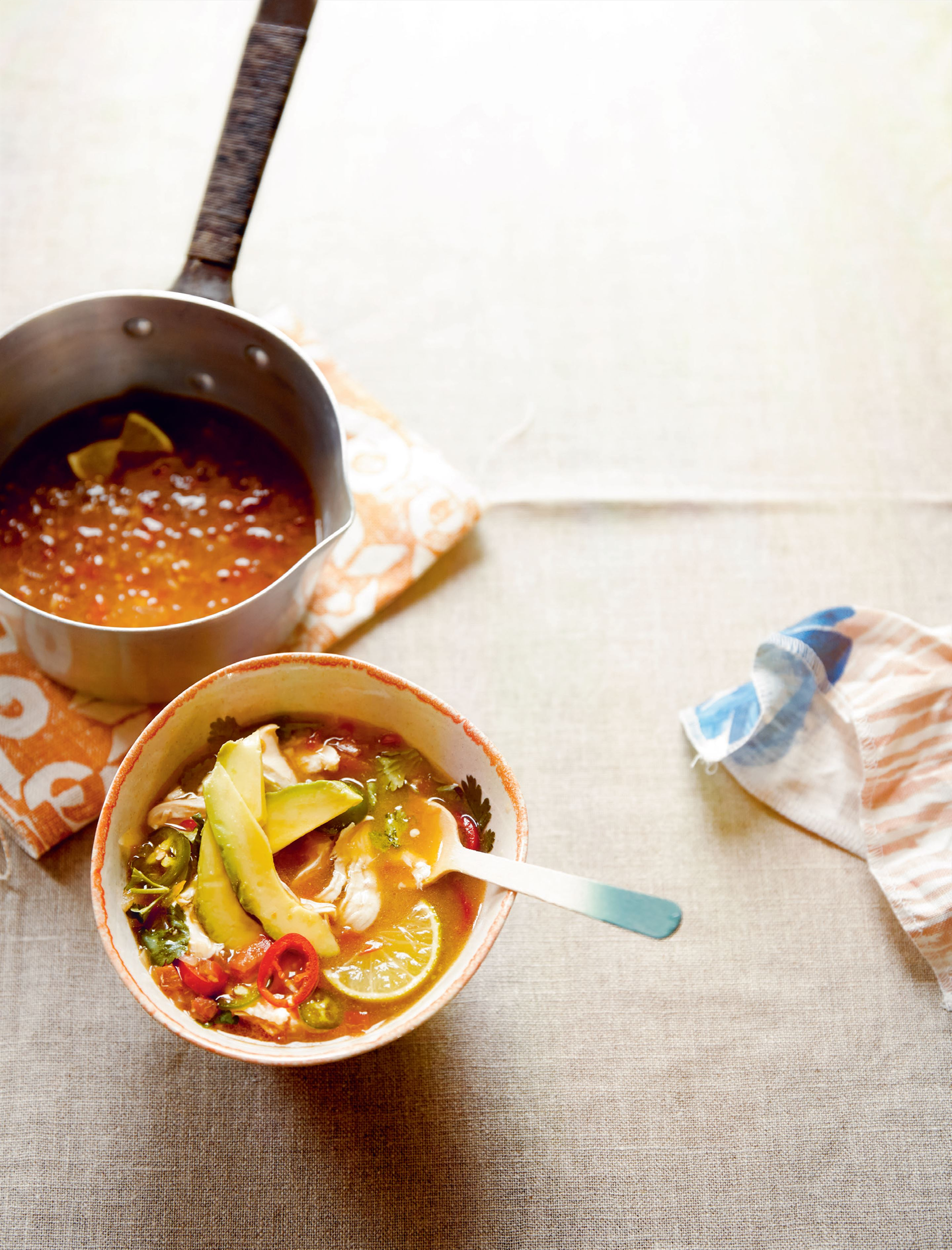 Spicy chicken broth