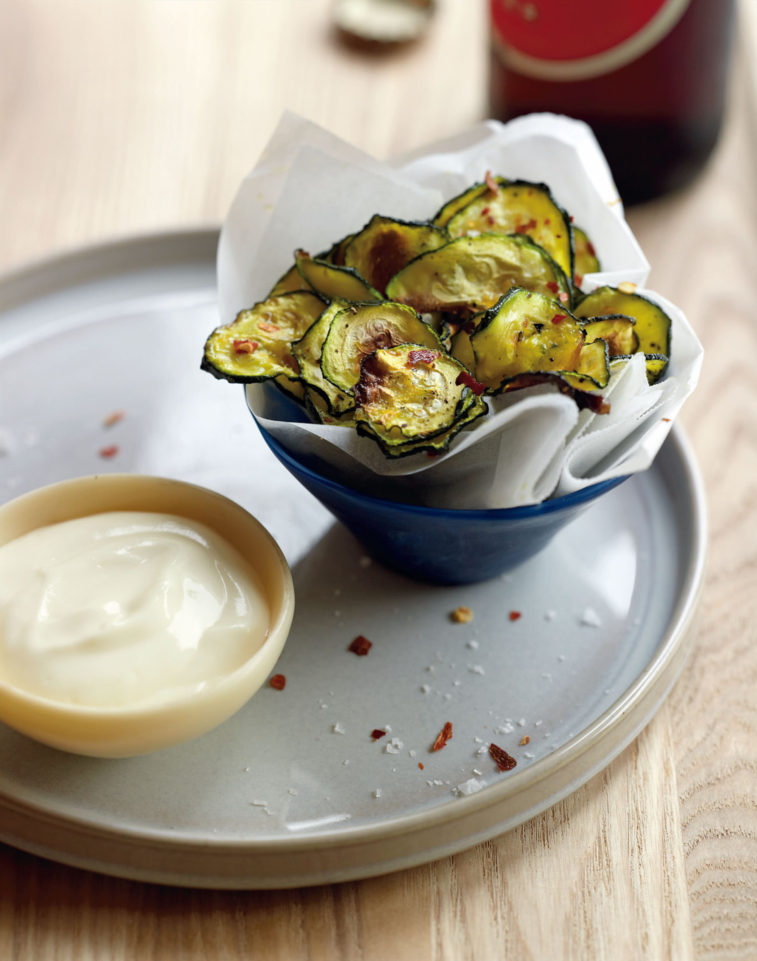 Zucchini 'chips' with aïoli