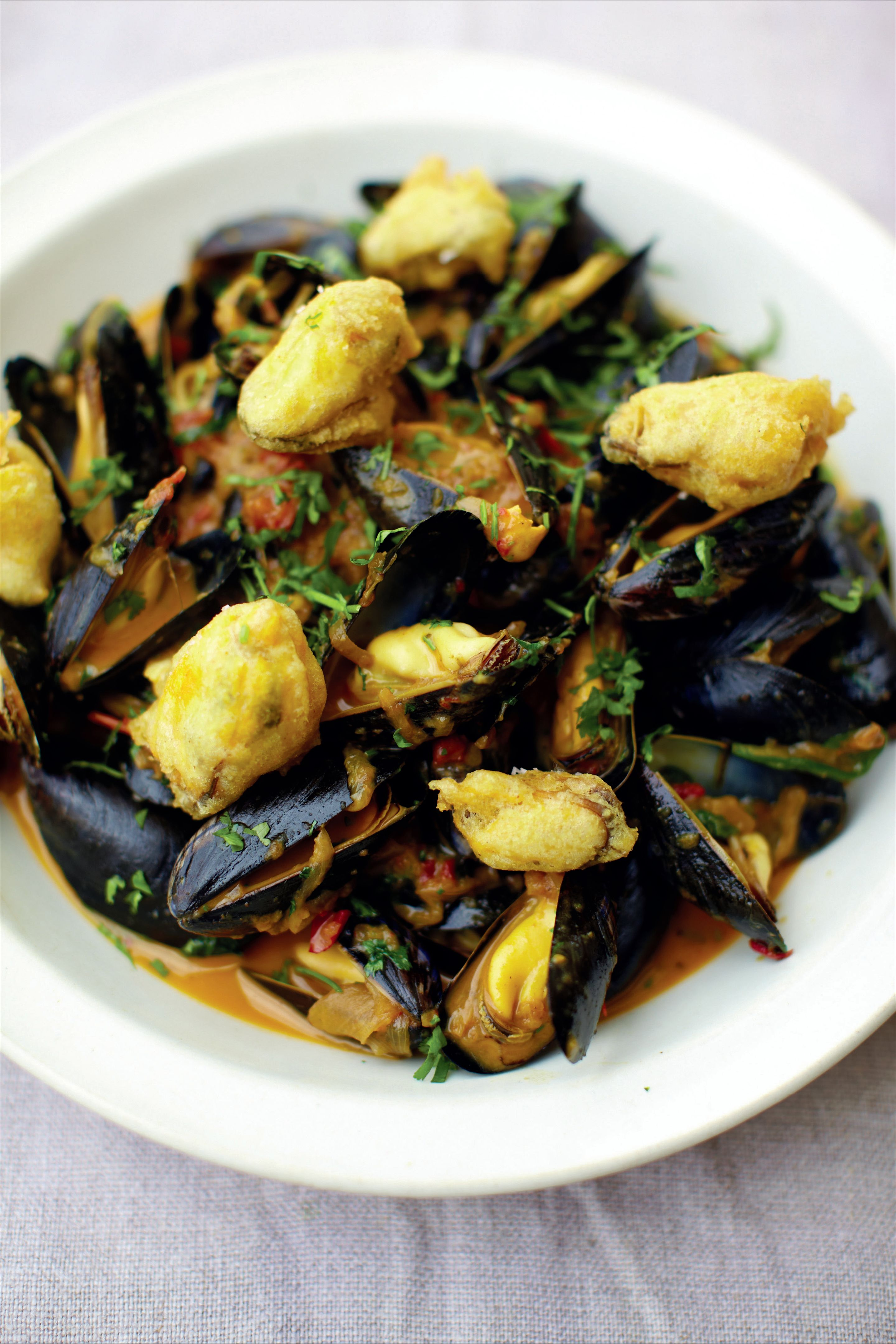 Mussel, spinach and cauliflower curry with crispy mussels