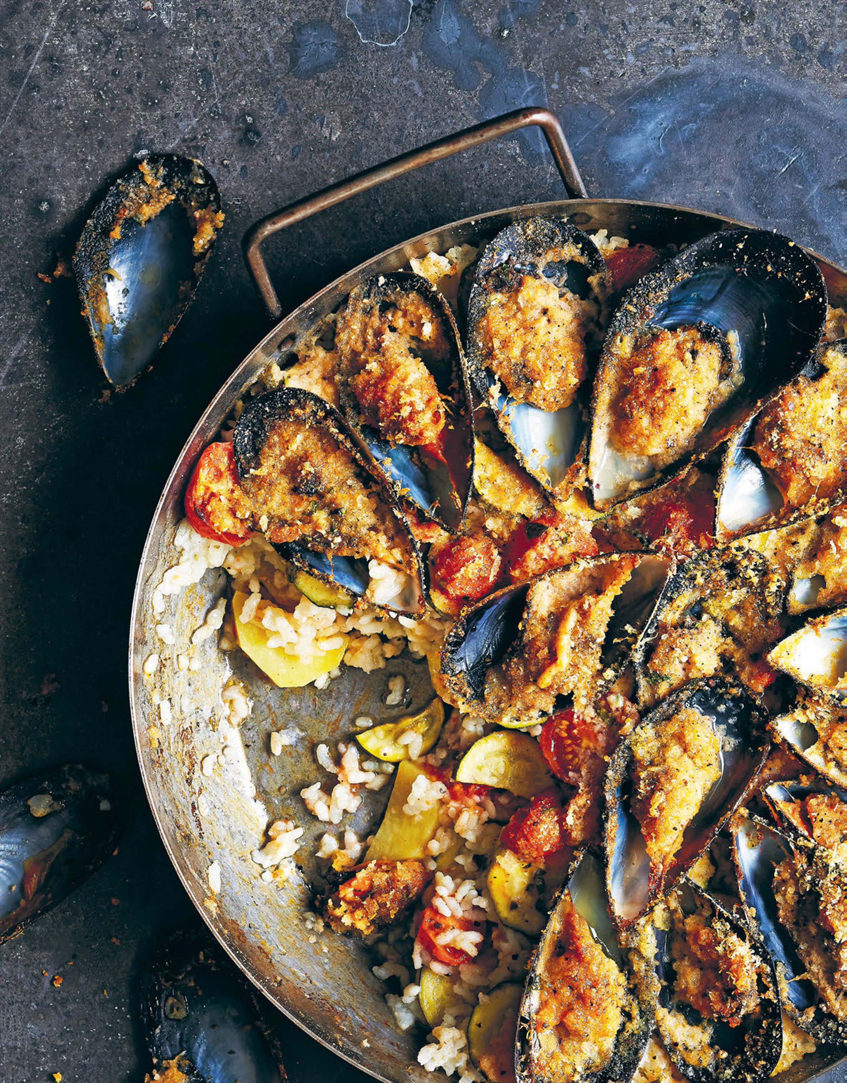 Rice, potato and mussel bake