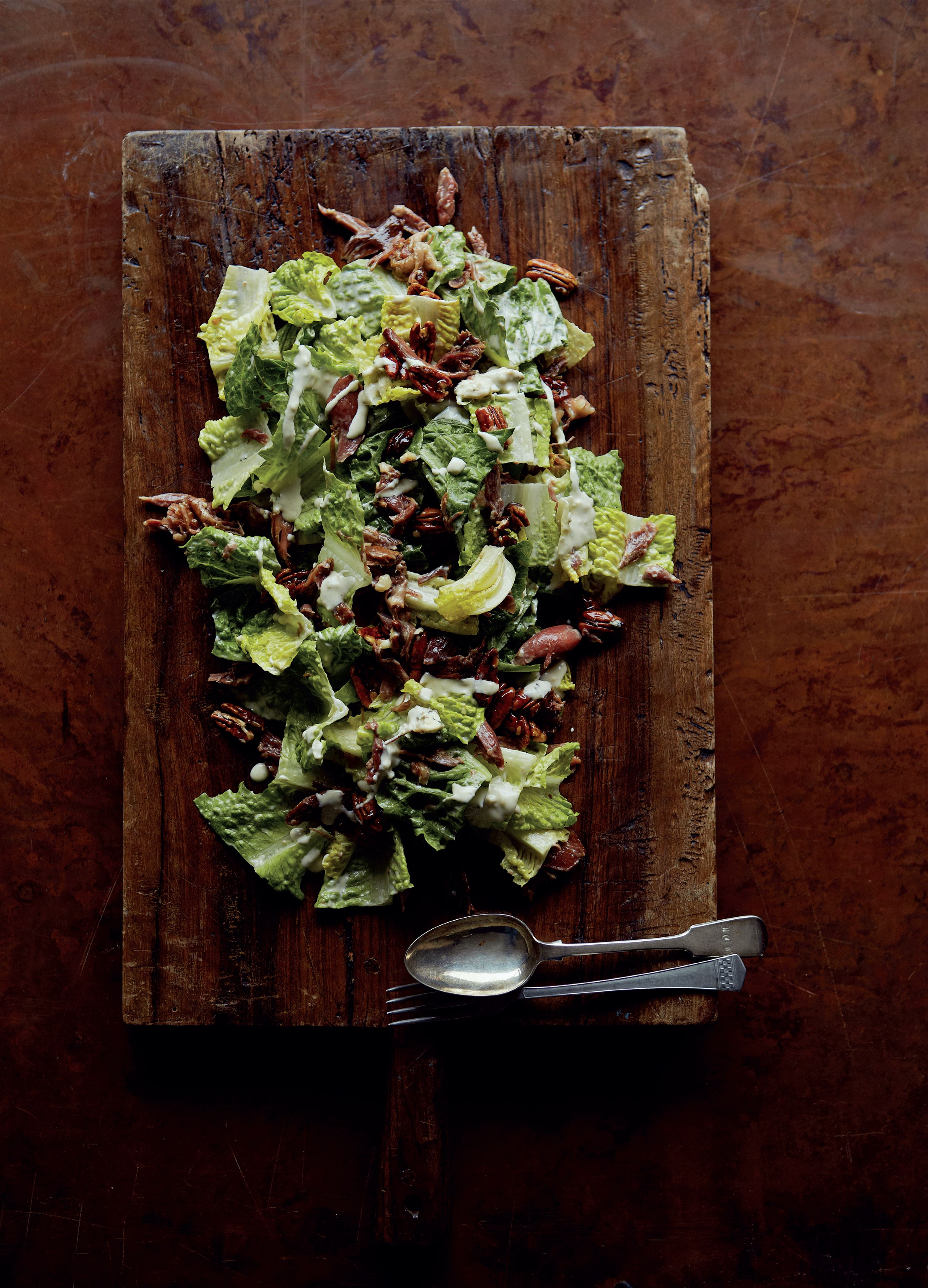 Confit duck salad with blue cheese dressing