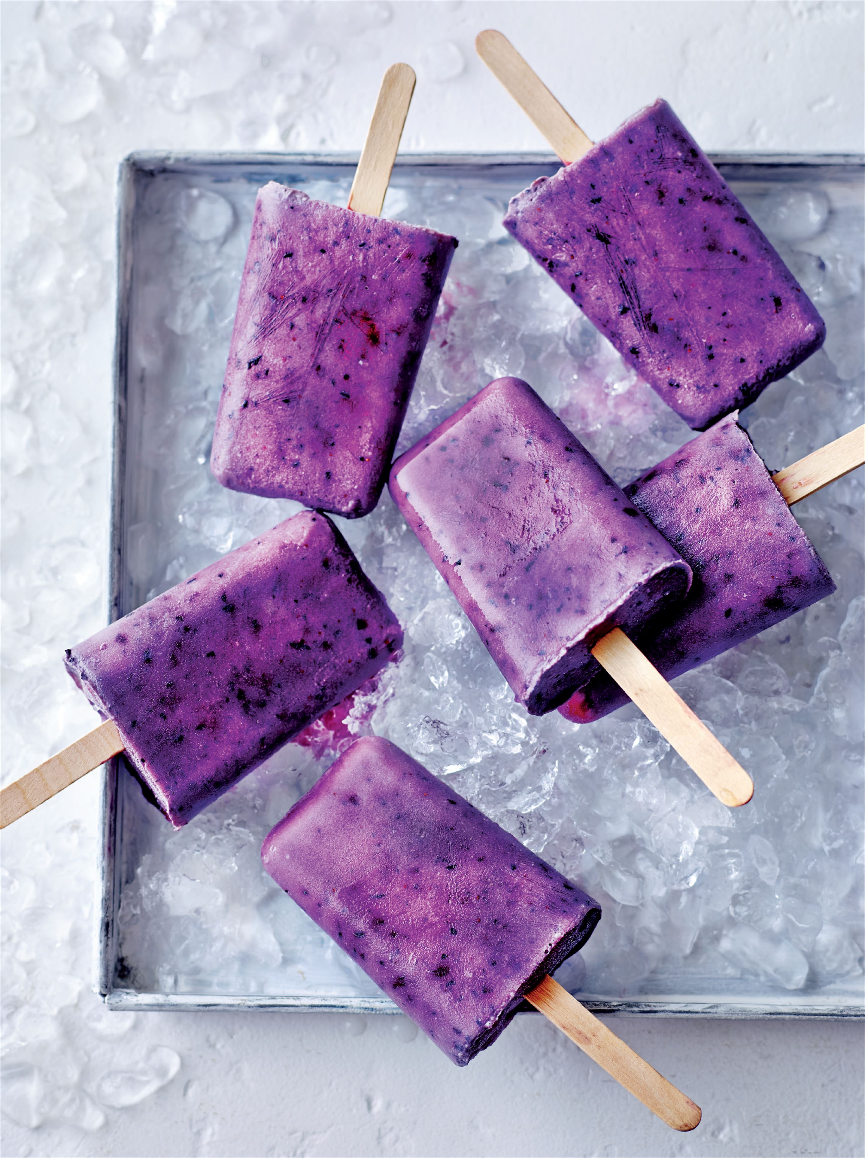 Berry-coconut ice lollies