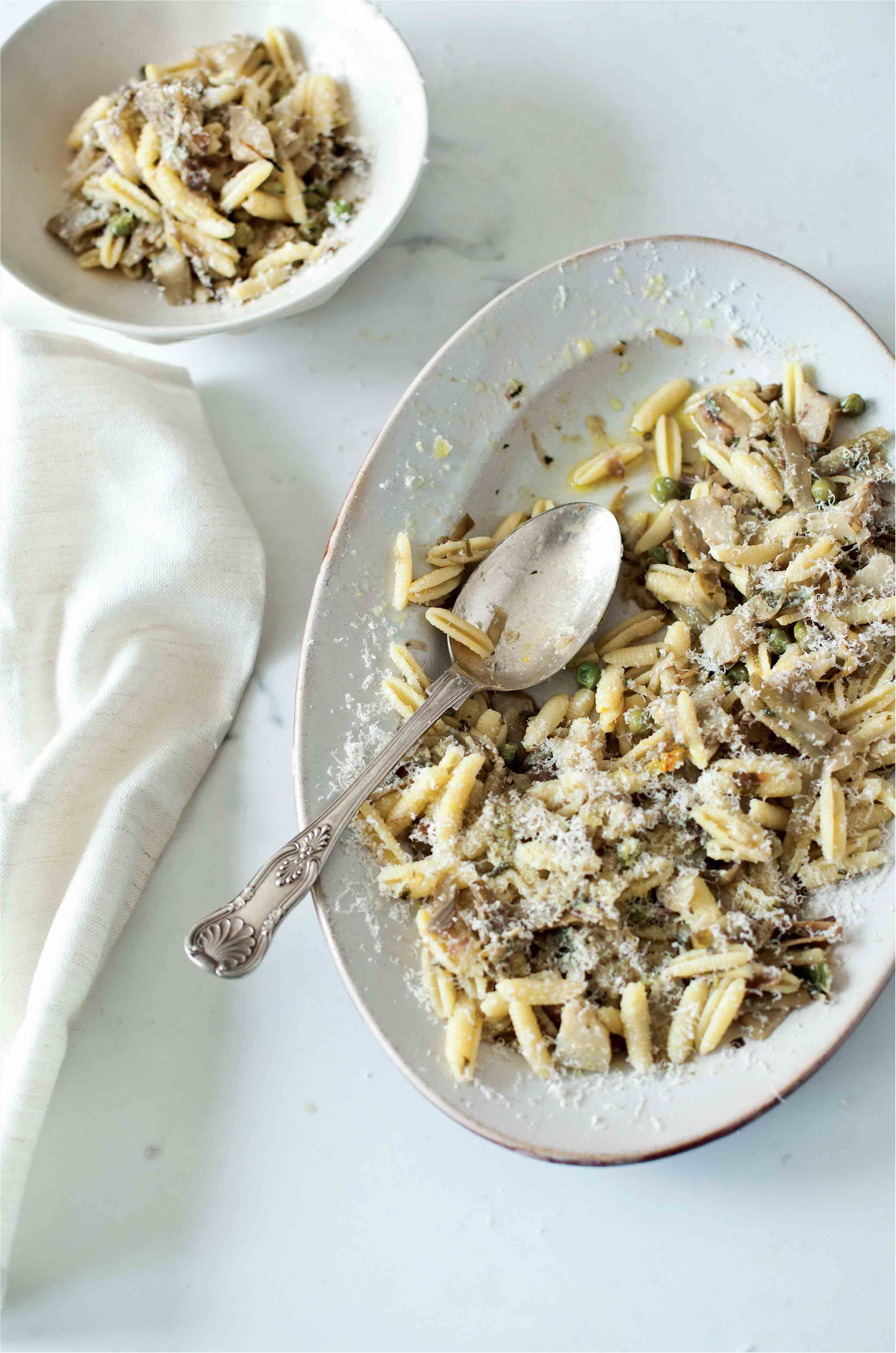 Sardinian pasta with globe and jerusalem artichokes