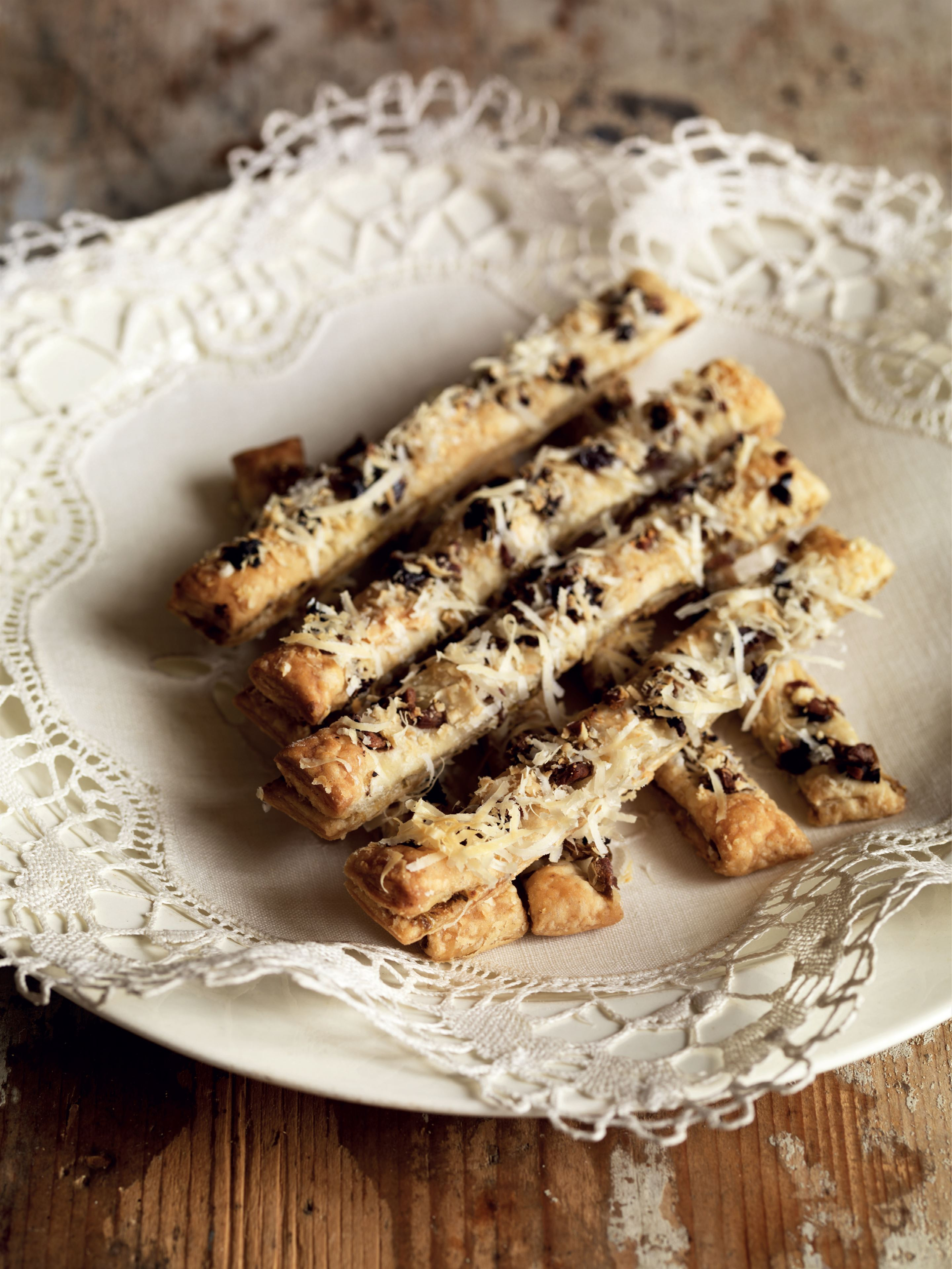 Olive and cheese straws