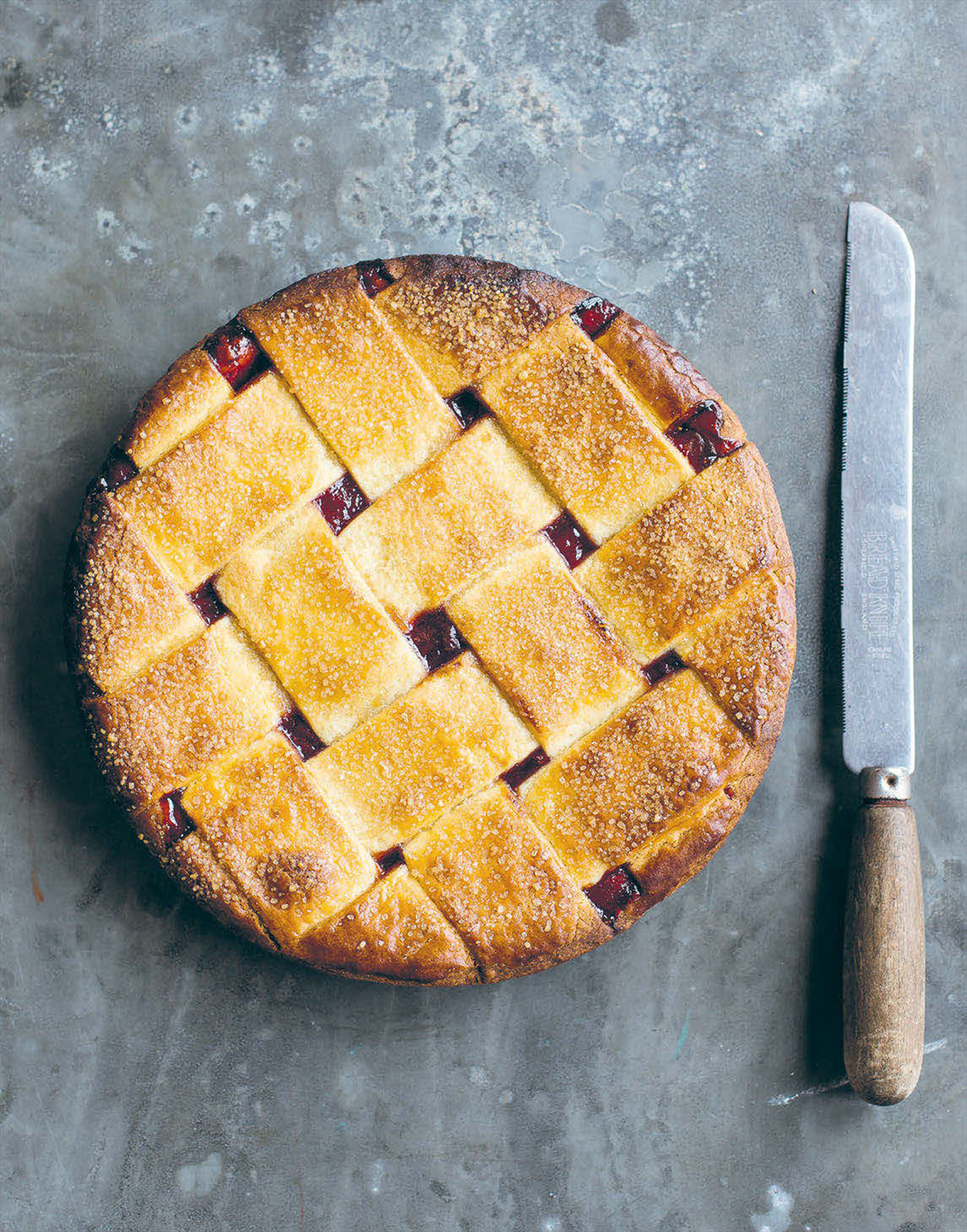 Rhubarb, strawberry, balsamic and thyme pie