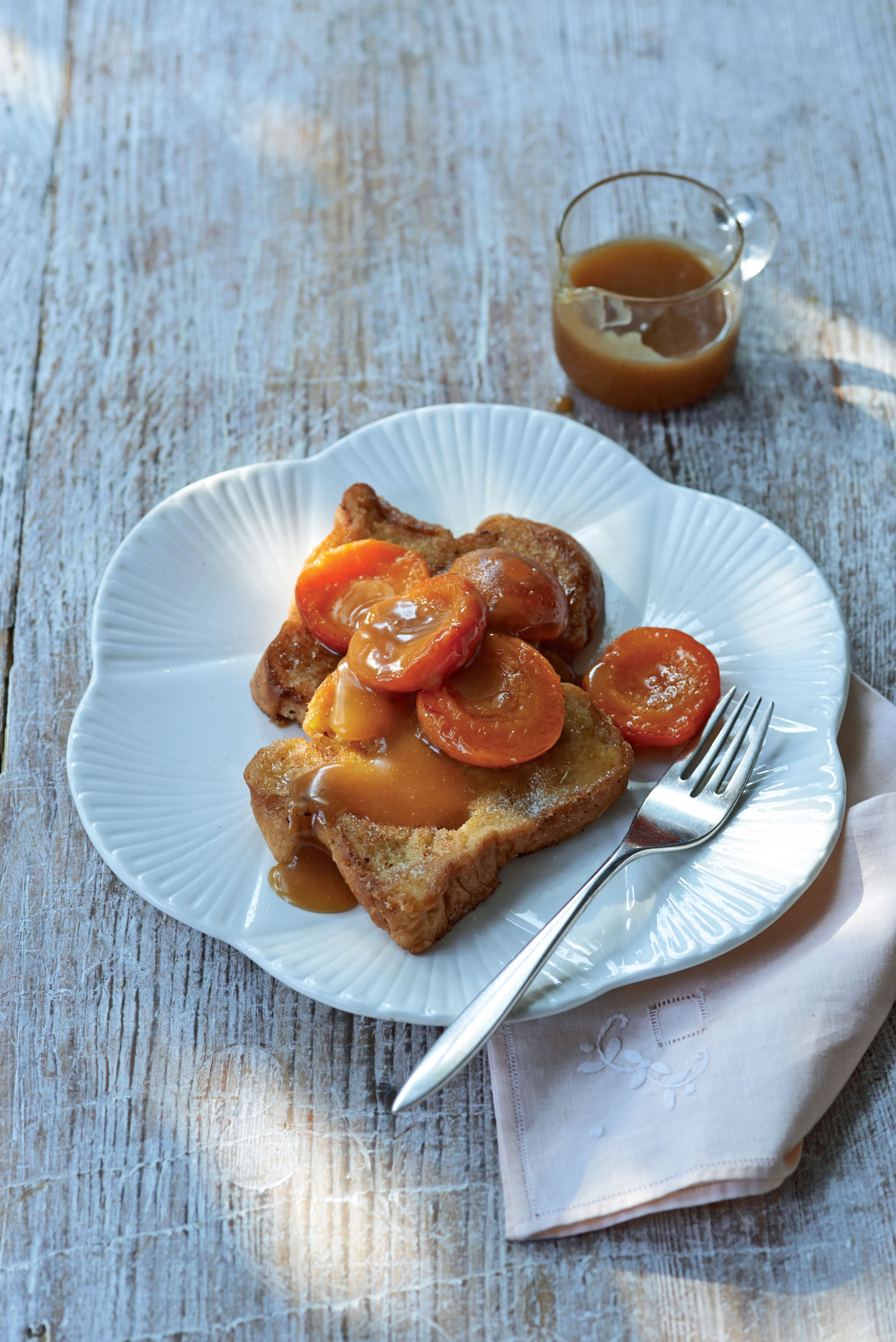 Pain perdu with butterscotch apricots