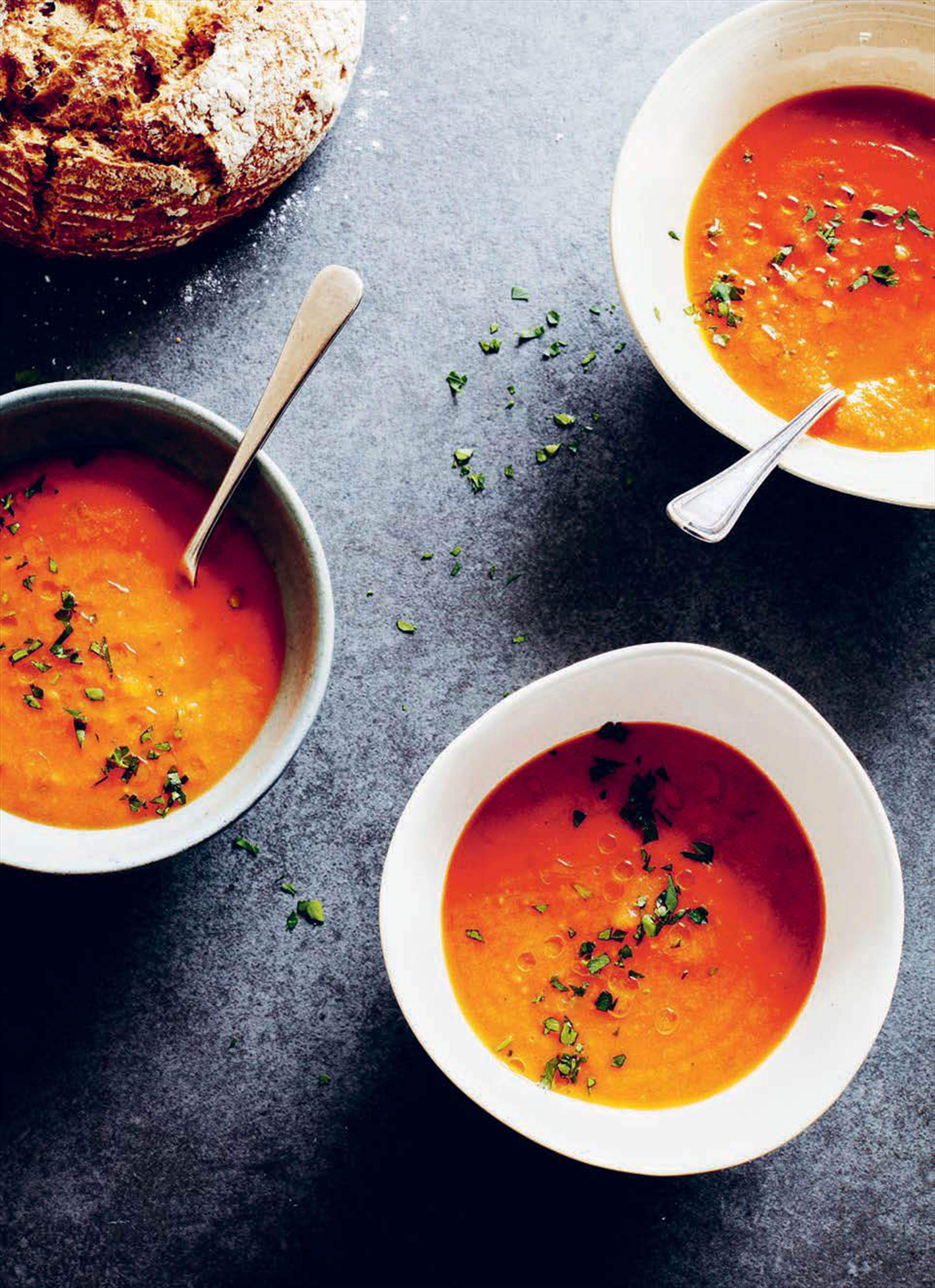 Tomato soup with potatoes and parsley