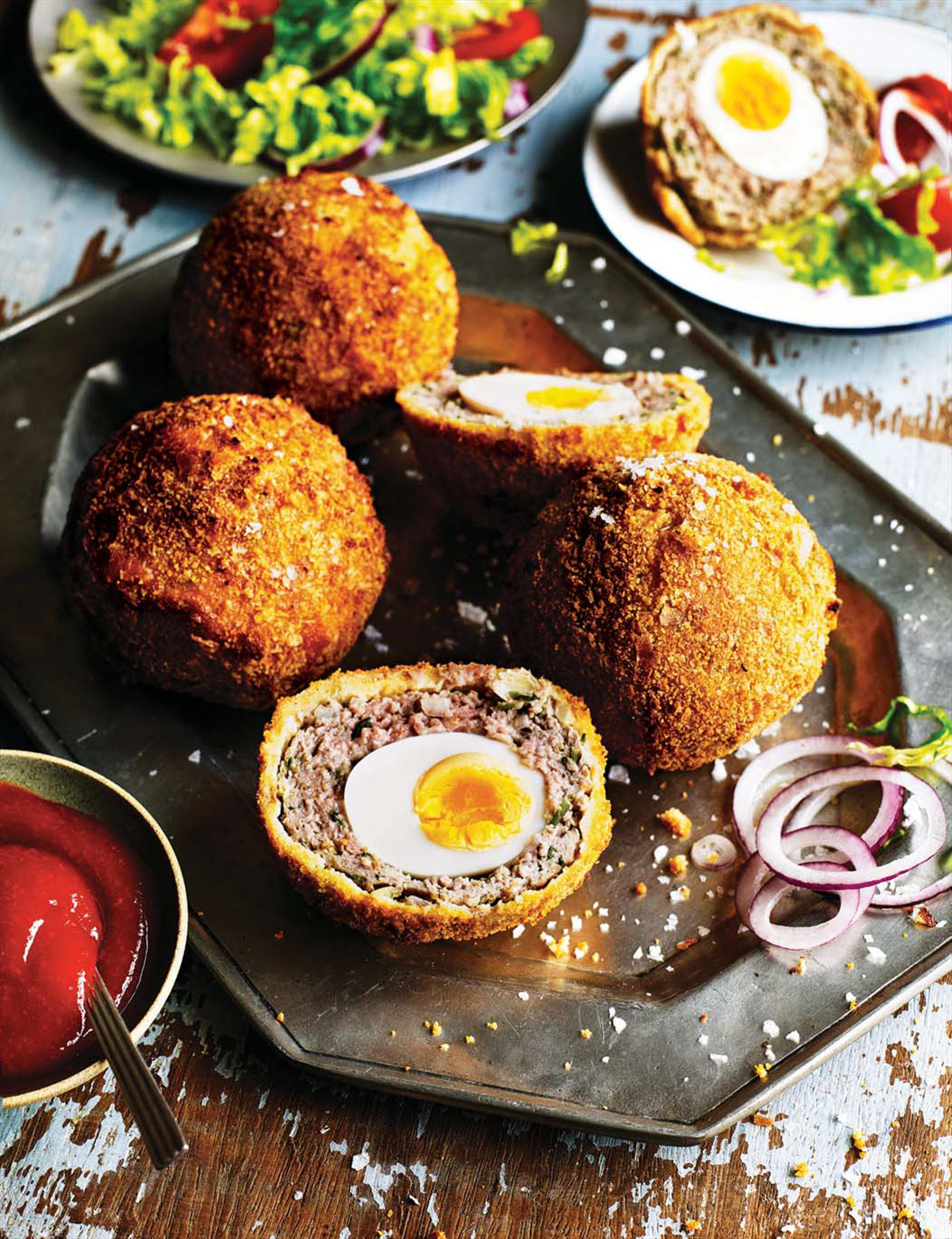 Nargisi kofta (Indian scotch egg)