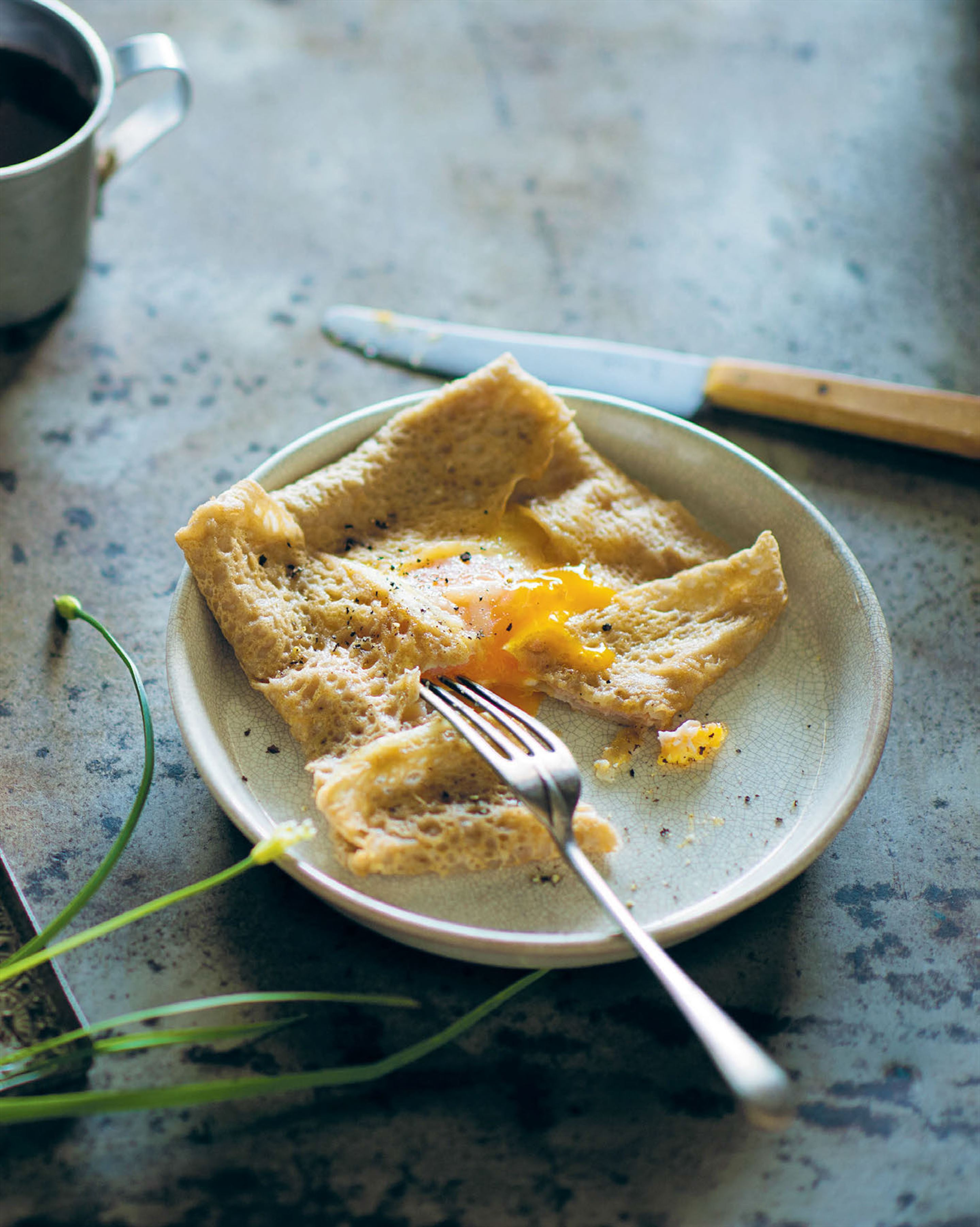 Galettes with ham & eggs