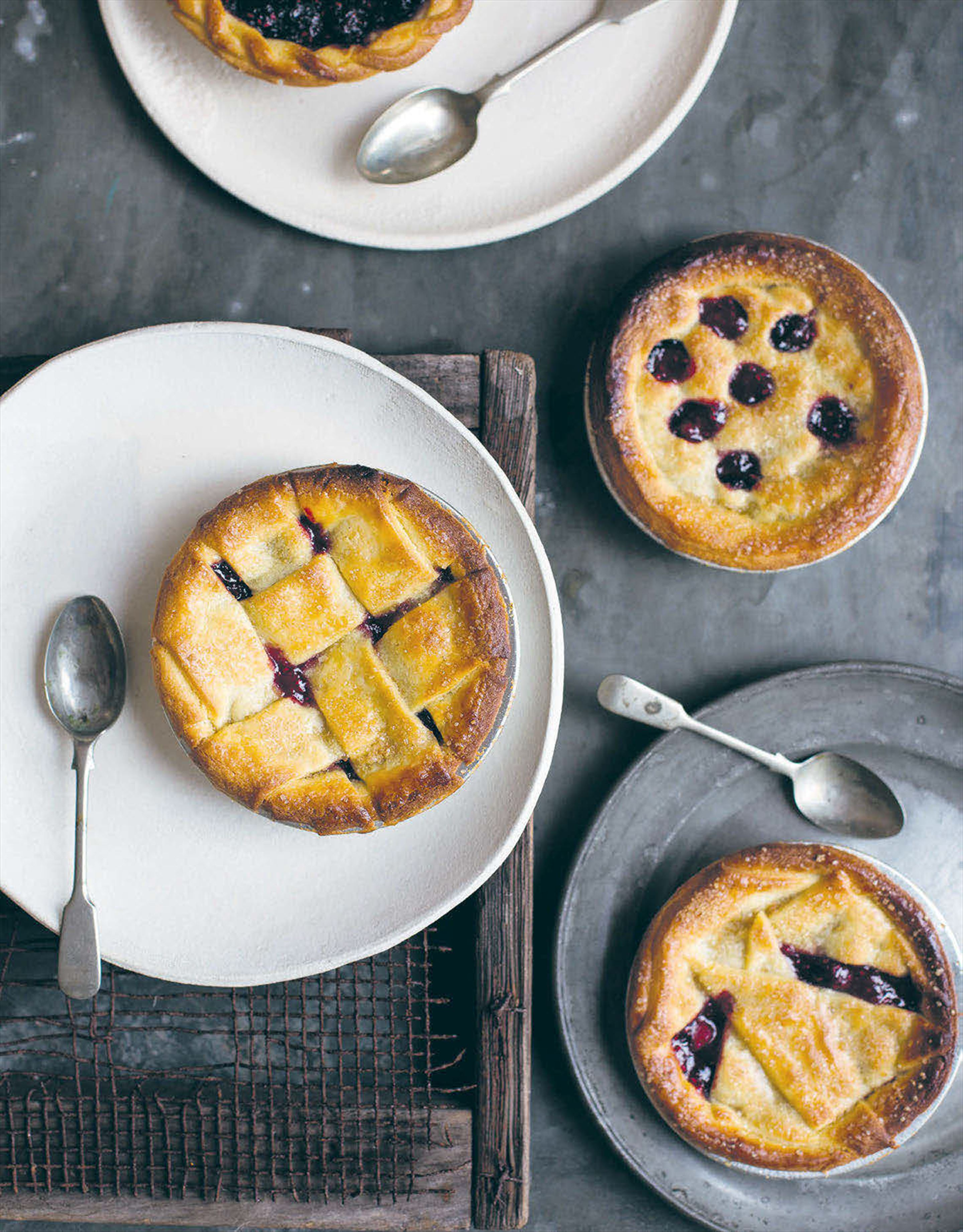 Mixed berry handpies