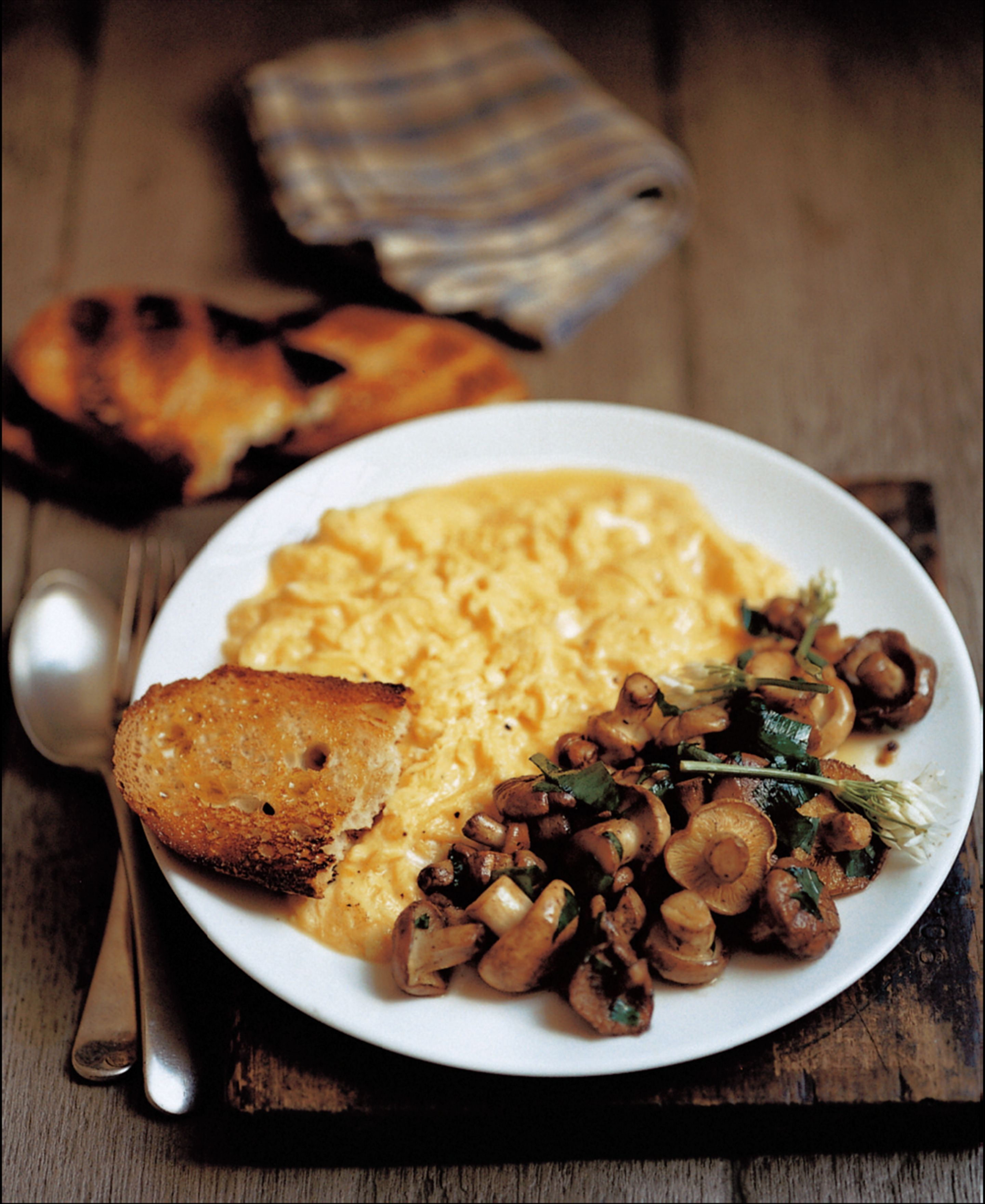 Saint George's mushrooms with scrambled egg and wild garlic
