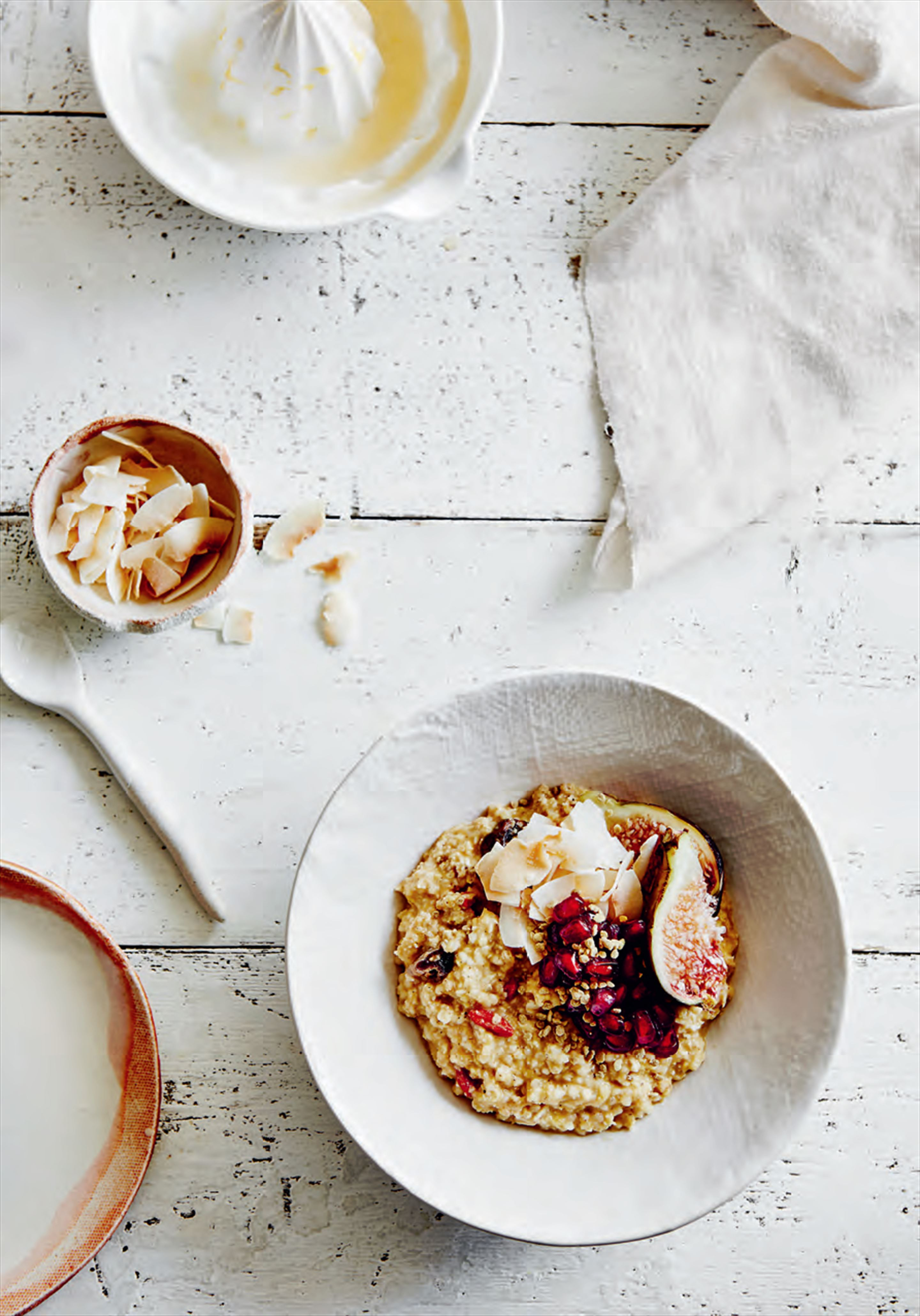 Orange & fig quinoa breakfast bowls