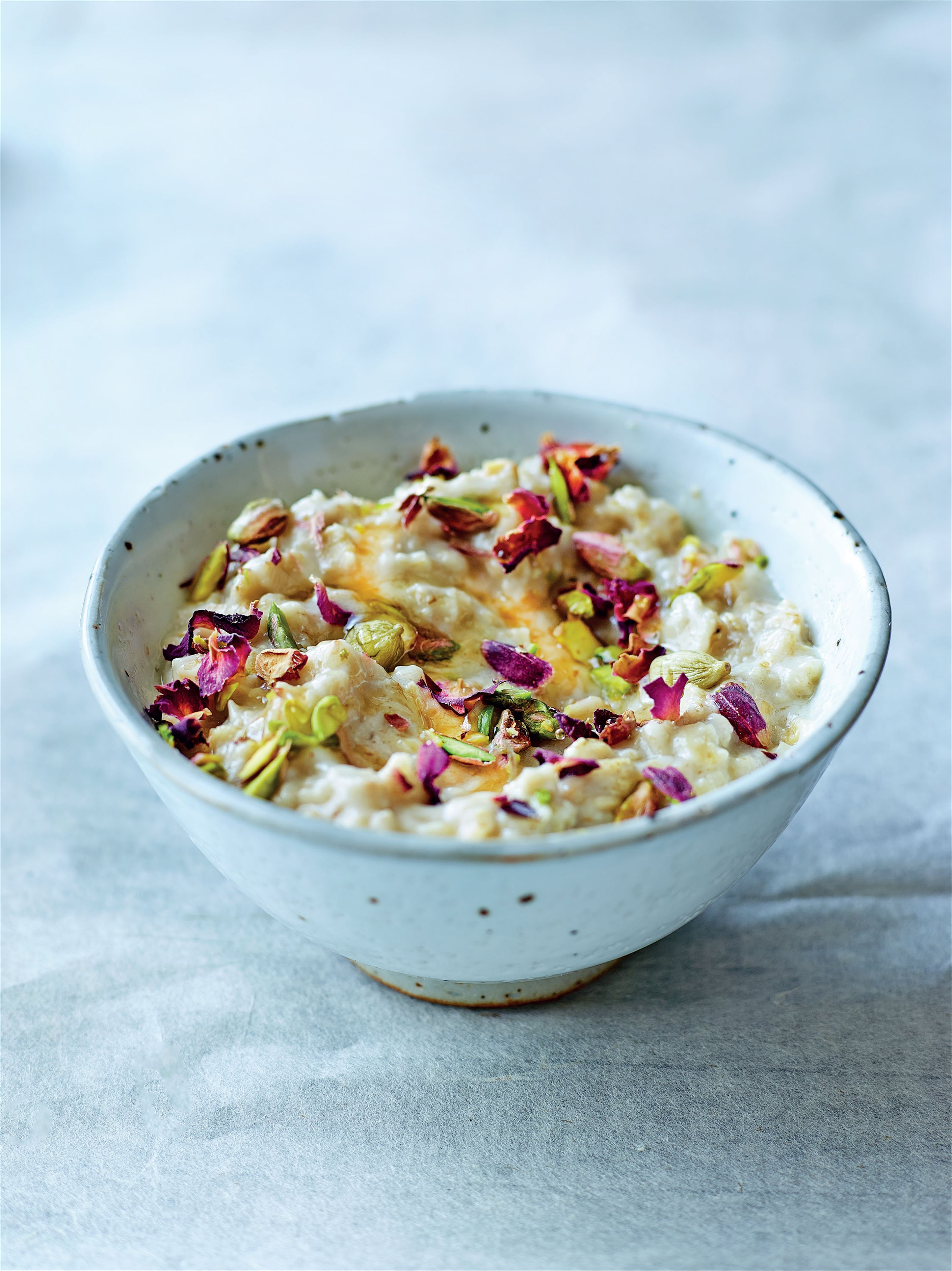 Rose, cardamom and pistachio porridge