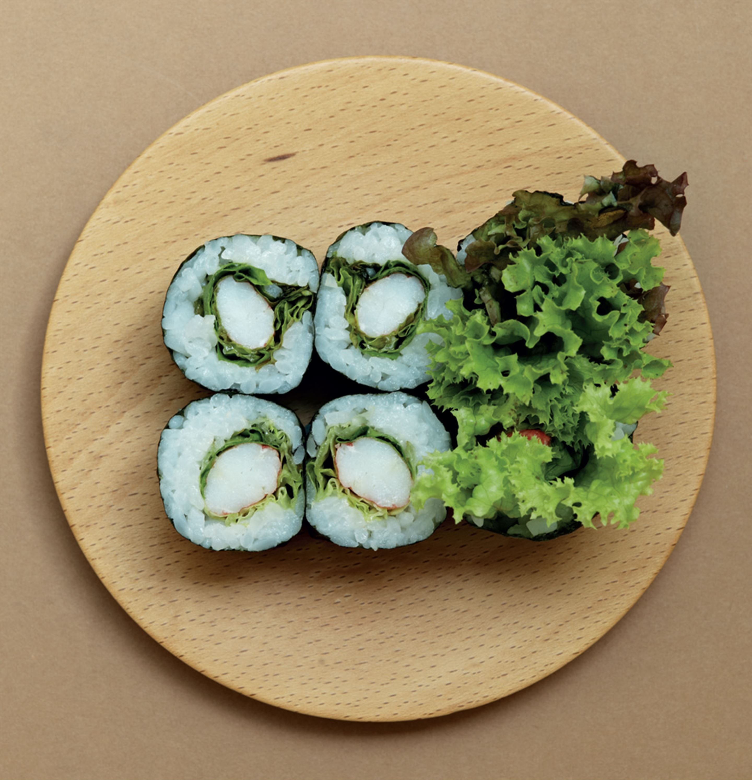 Crab stick and lettuce hosomaki rolls