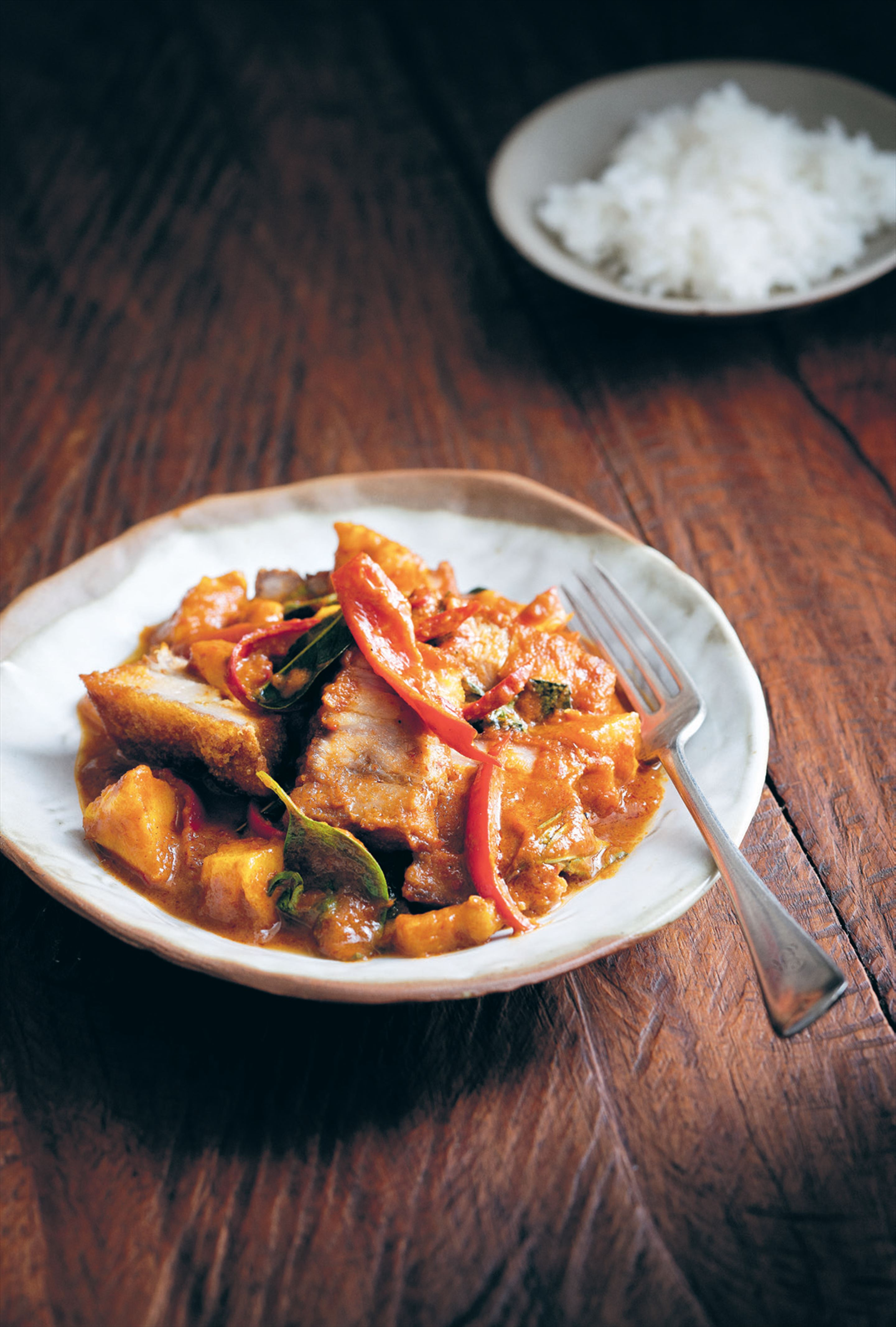 Pineapple curry of crisp belly pork