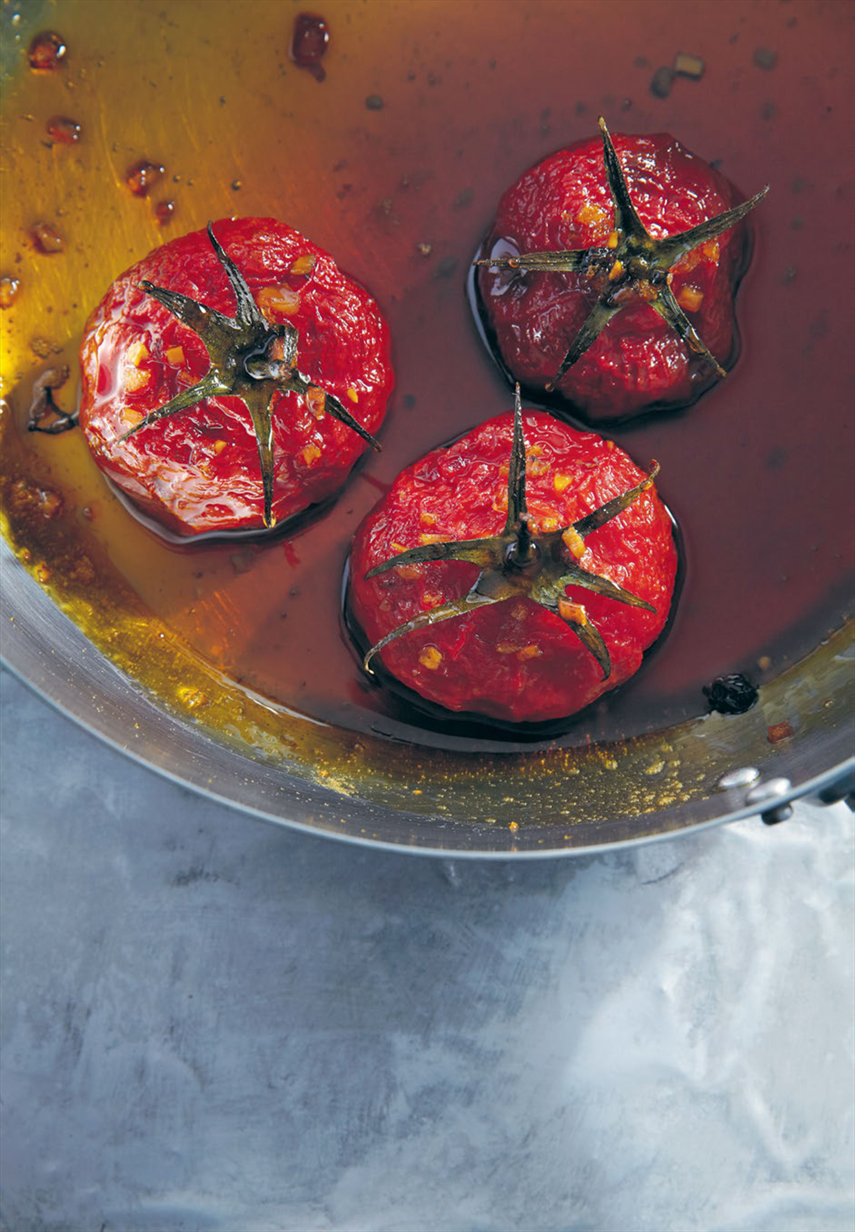Stuffed caramelised tomatoes