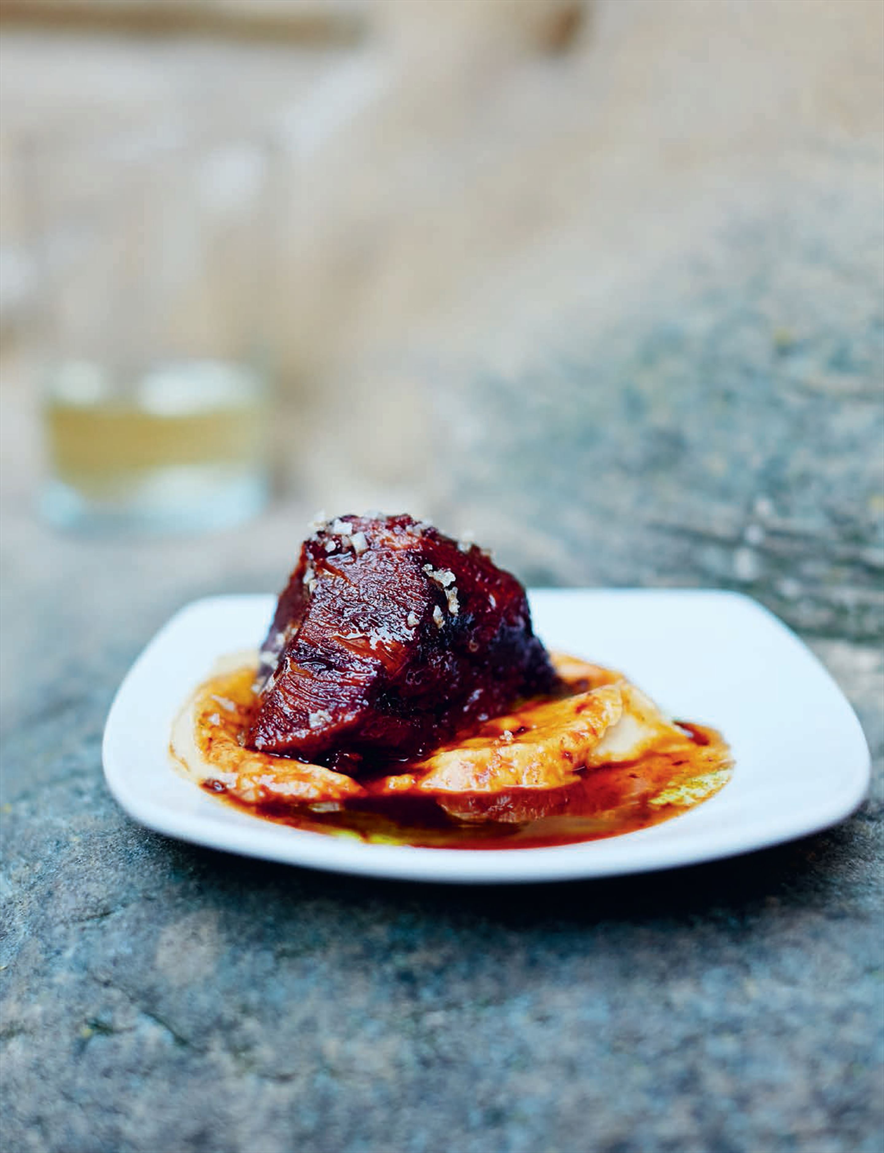 Beef cheeks in red wine sauce with cauliflower purée