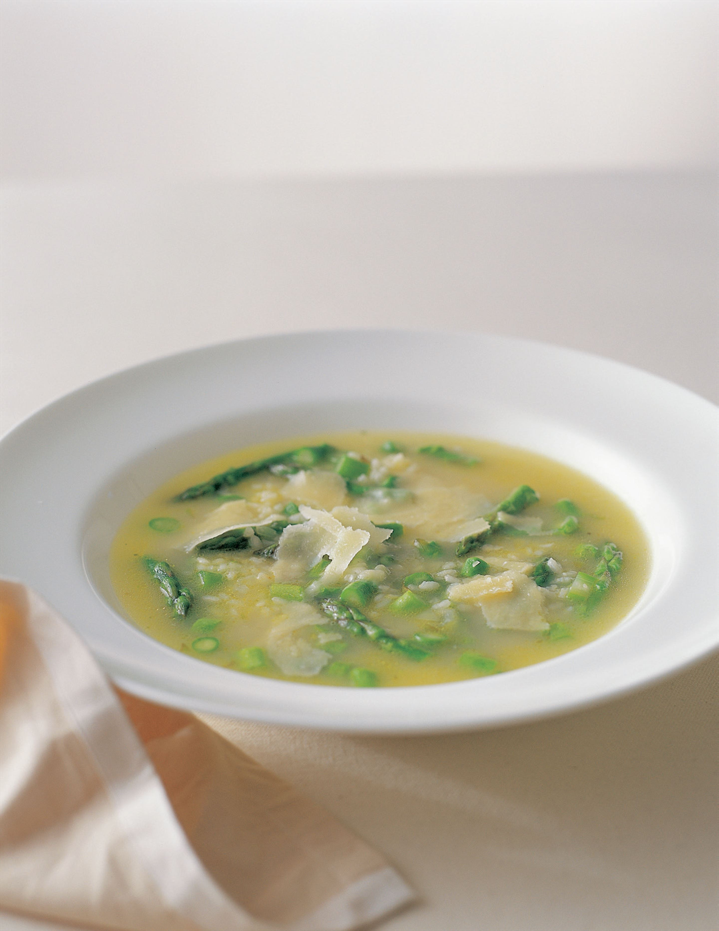 Asparagus and rice soup