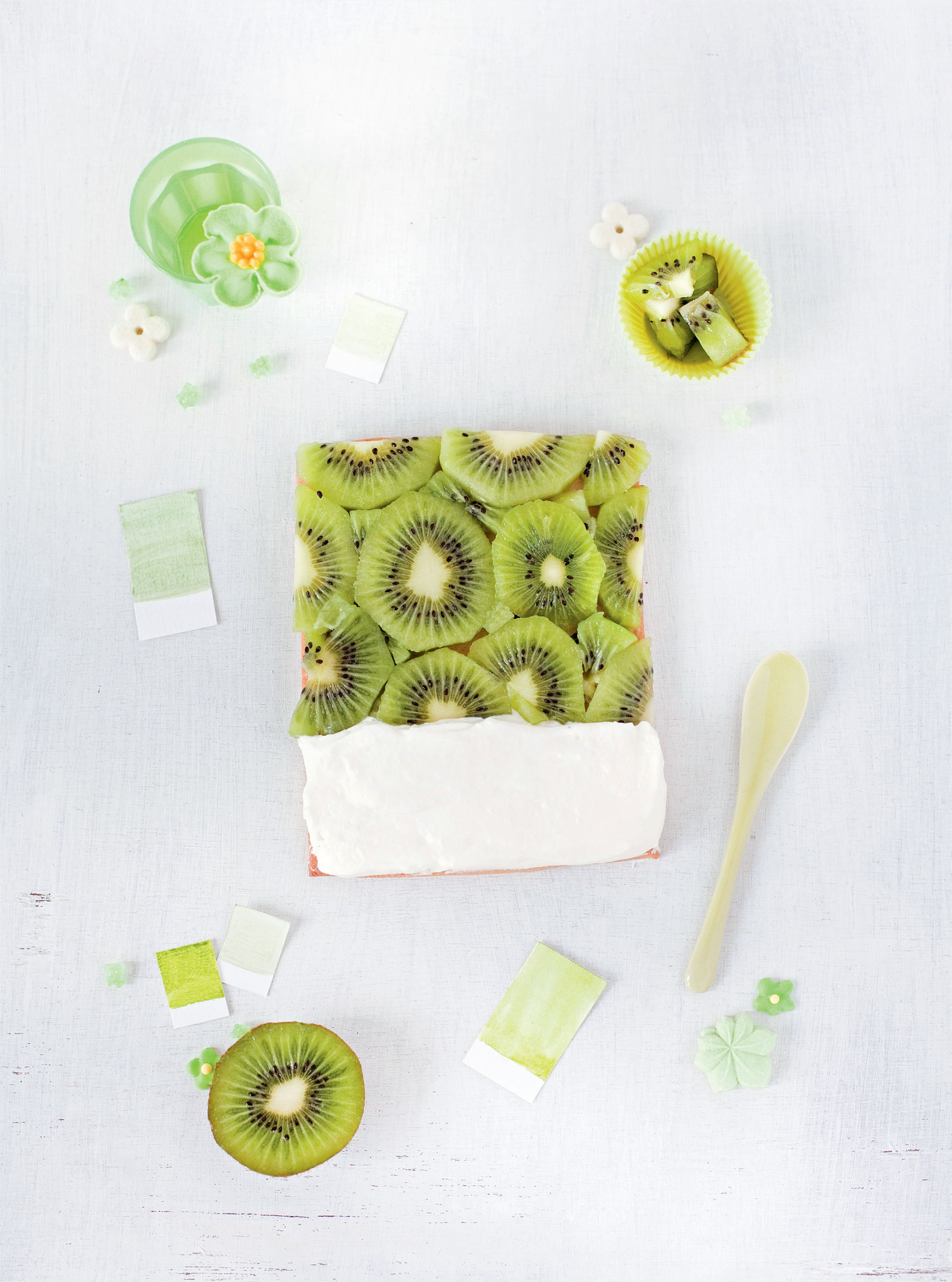 Kiwi fruit - chantilly