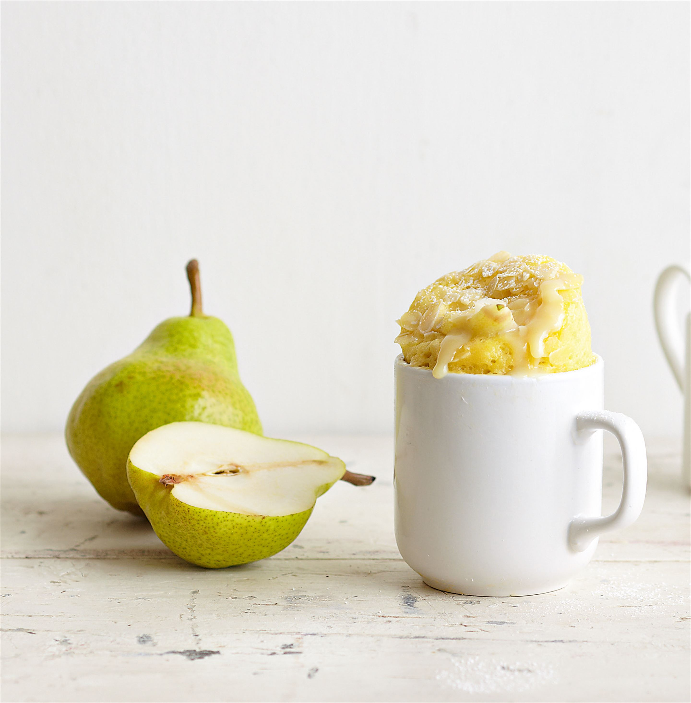 Pear mug cake with almonds