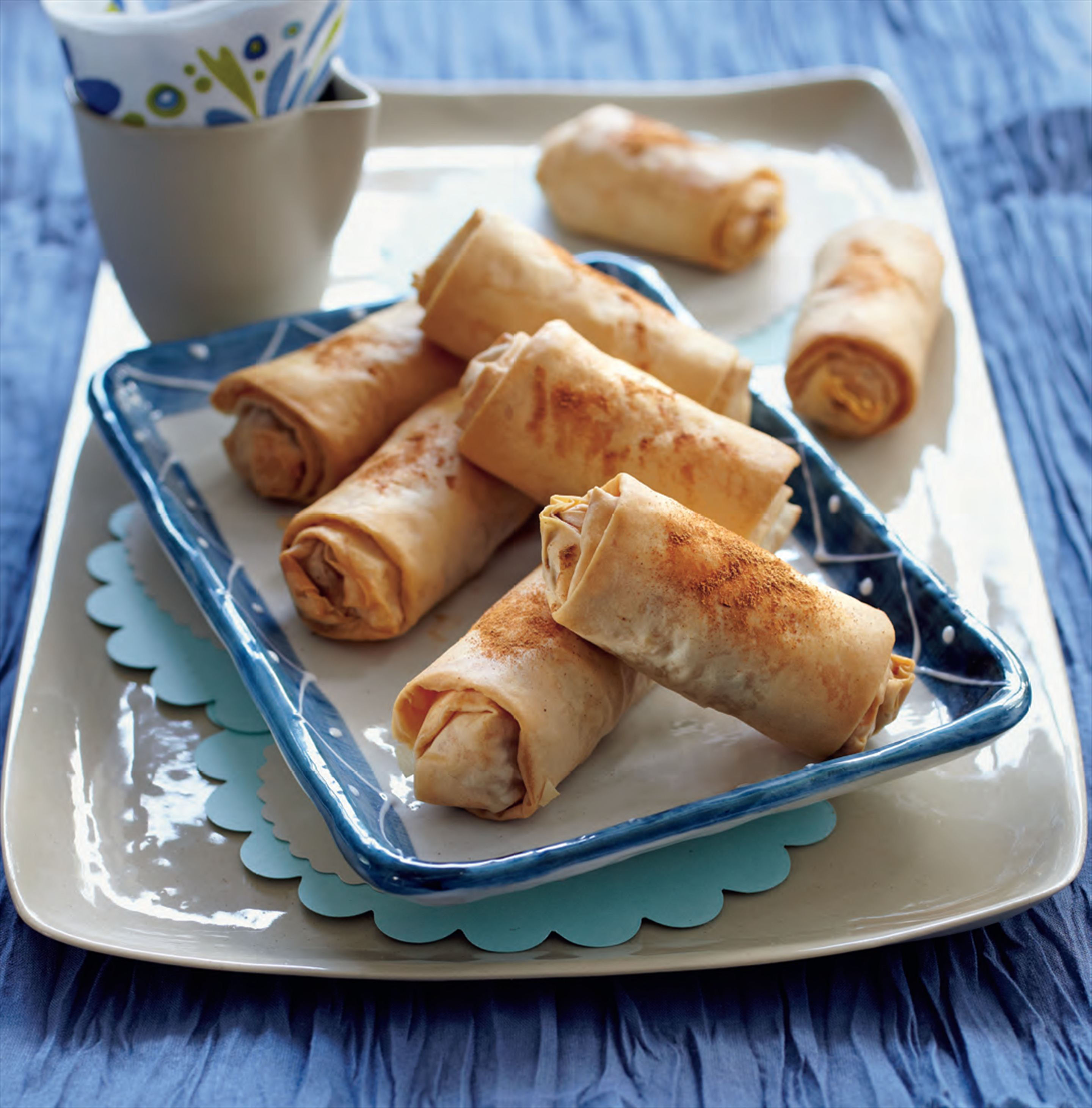 Lamb filo rolls with cinnamon and currants