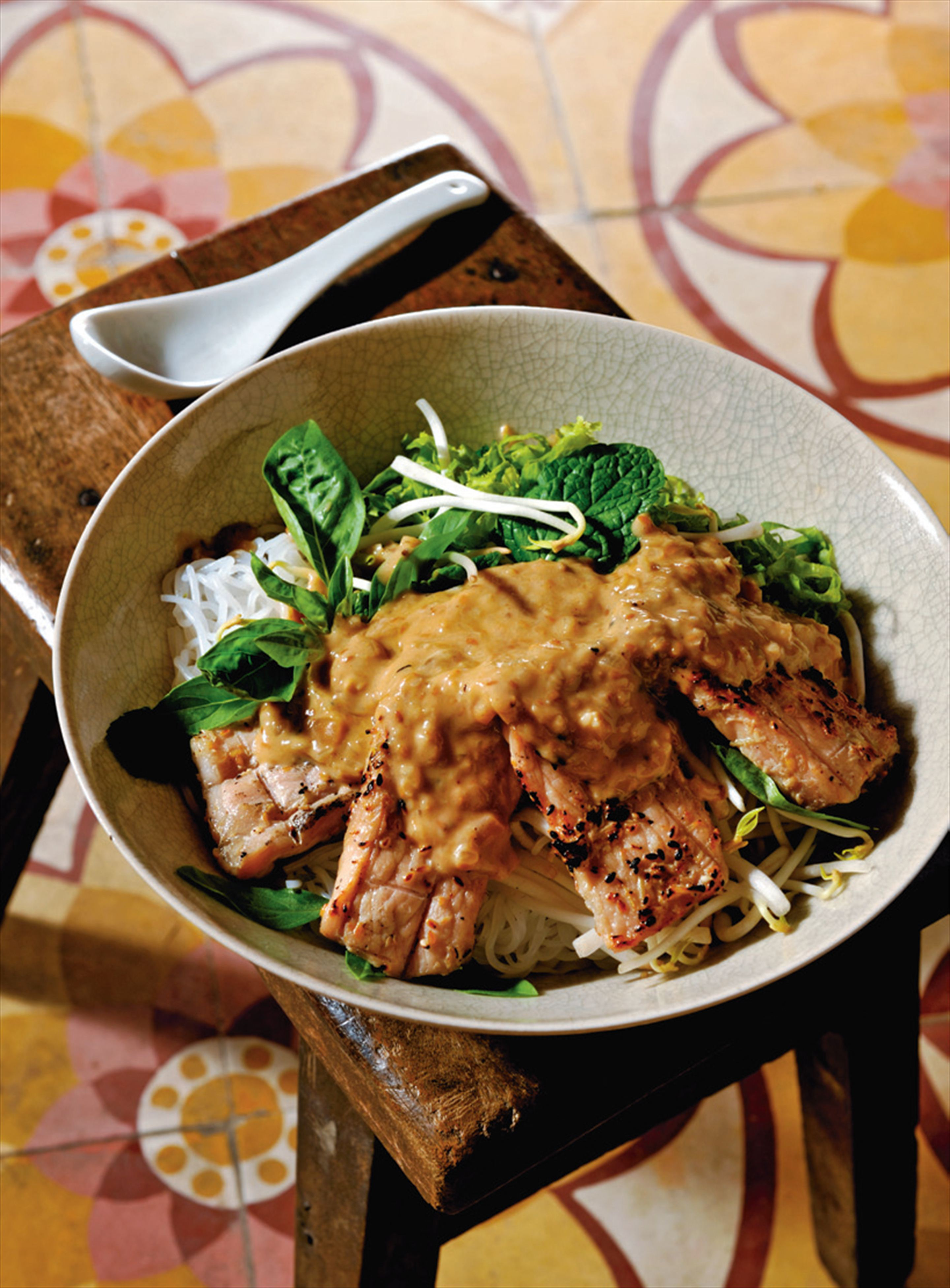 Barbecued lemongrass-marinated pork with rice vermicelli