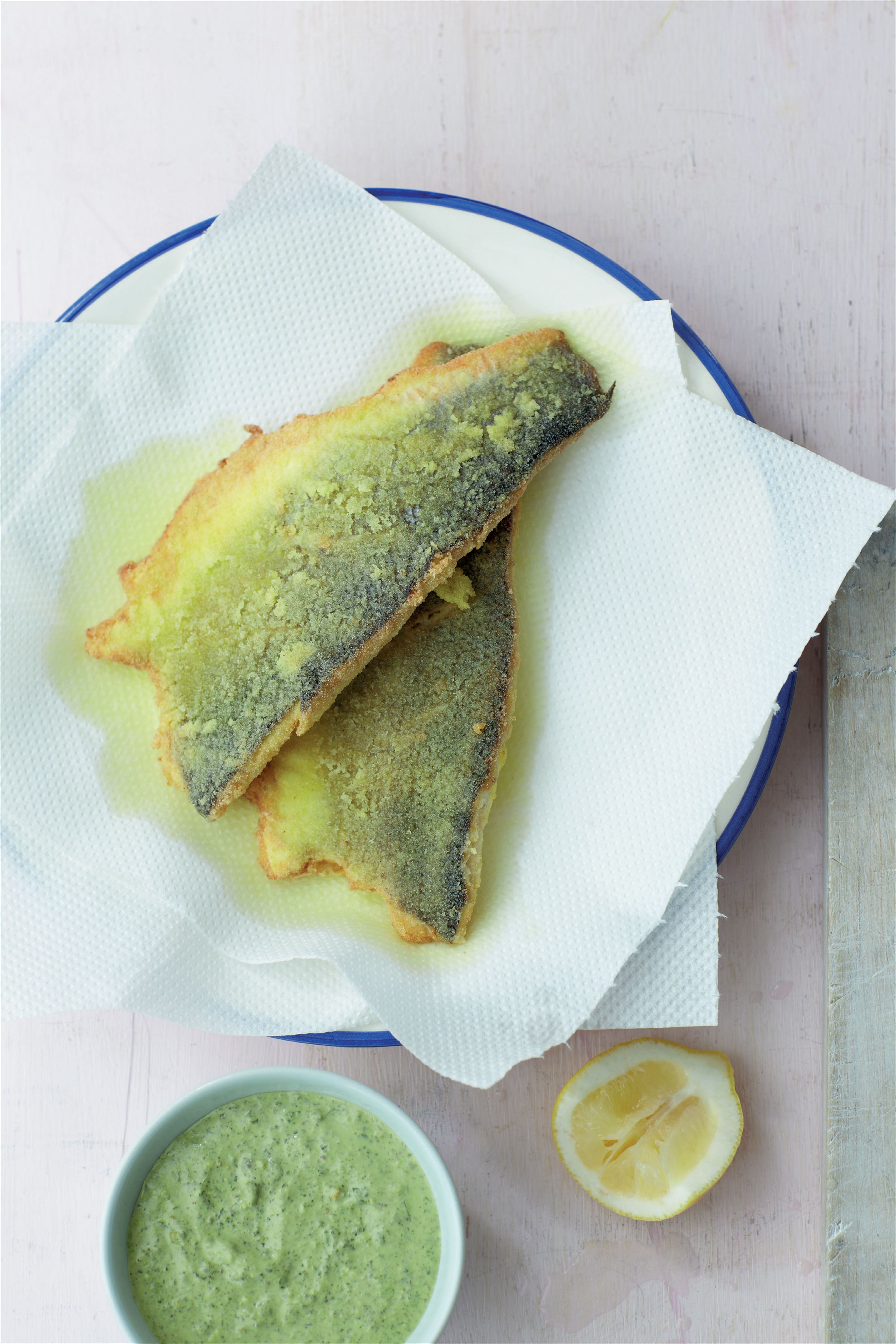 Crispy fish with creamy caper chutney