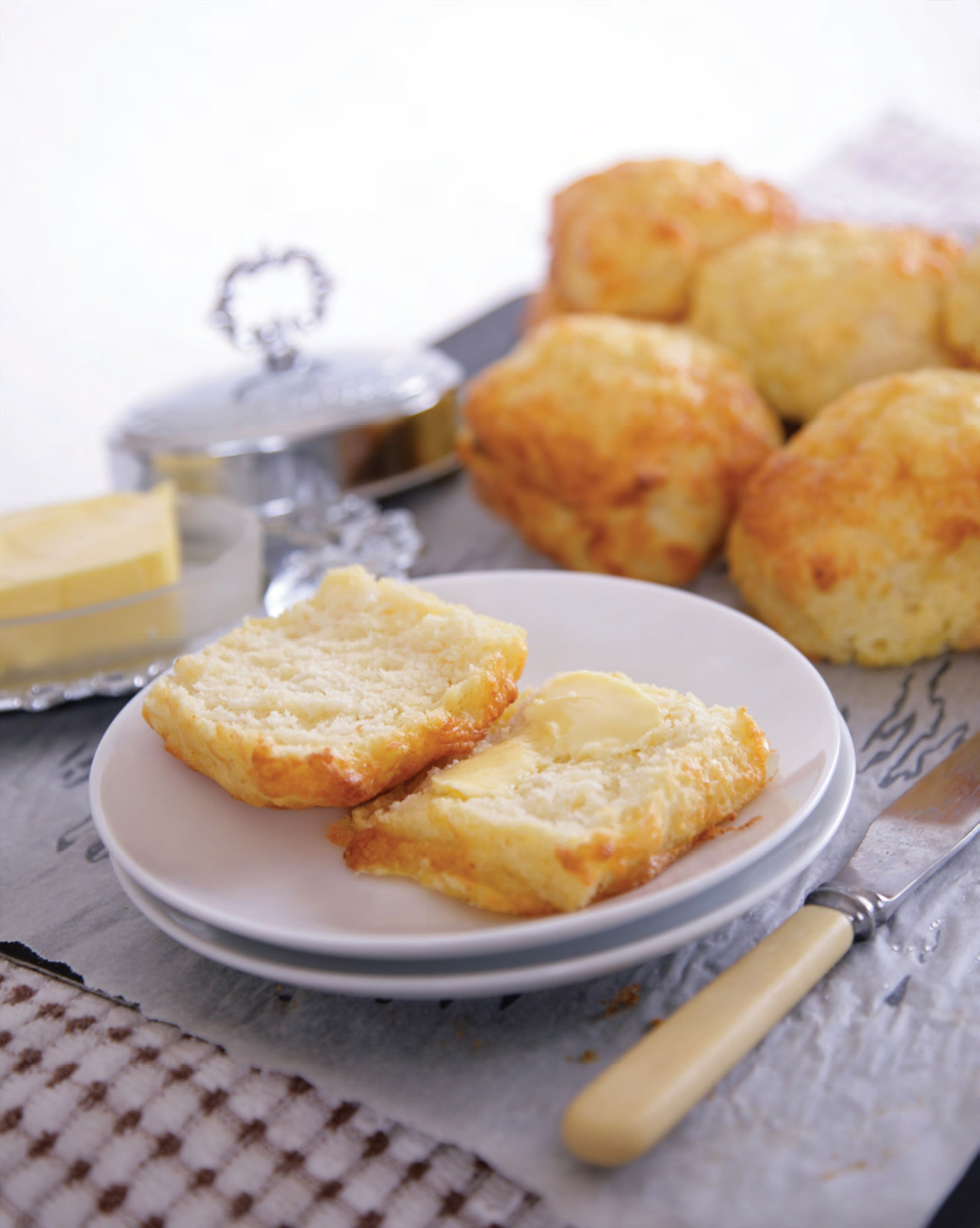 Party cheese scones