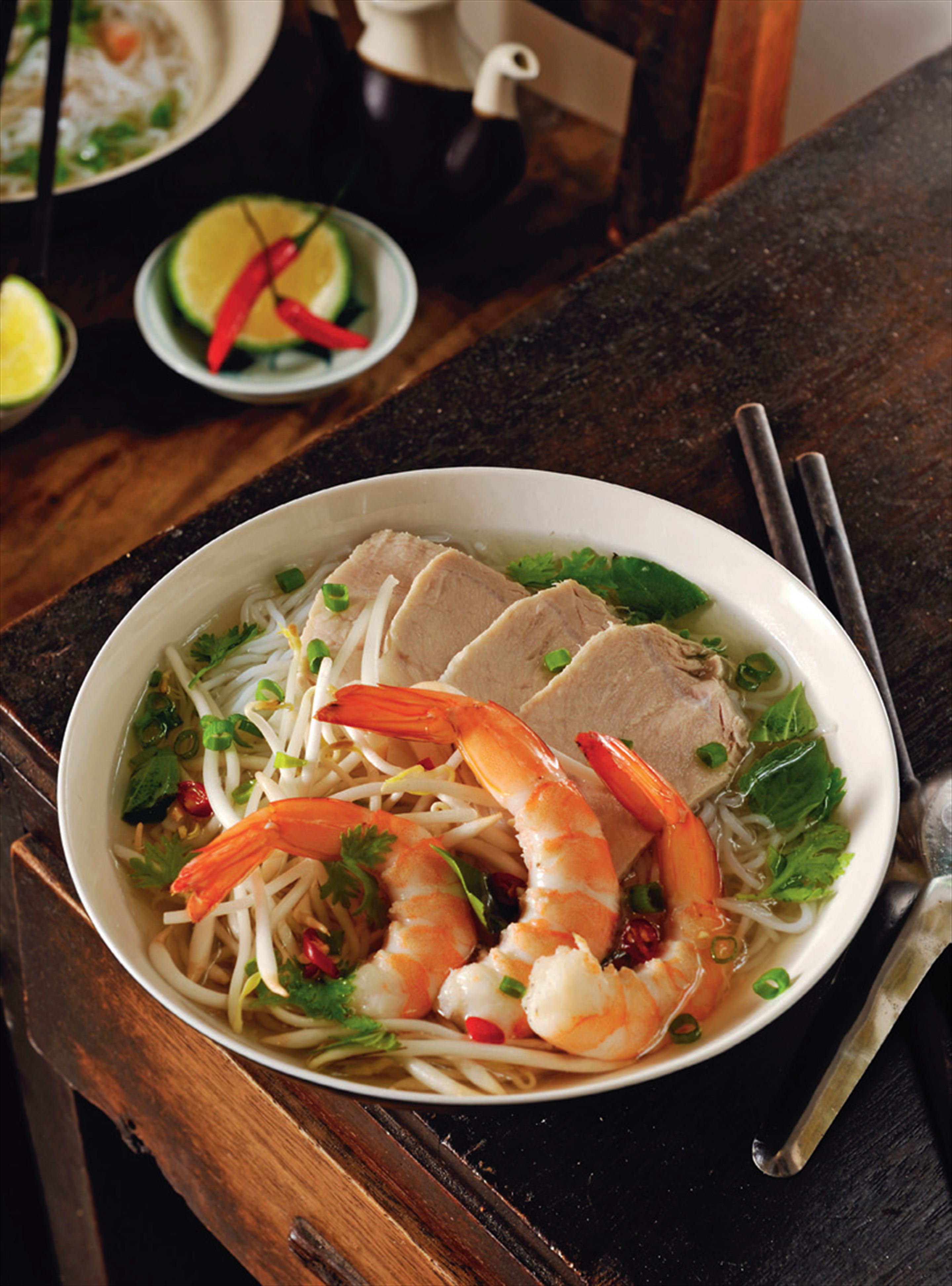 Prawn and pork broth with rice noodles