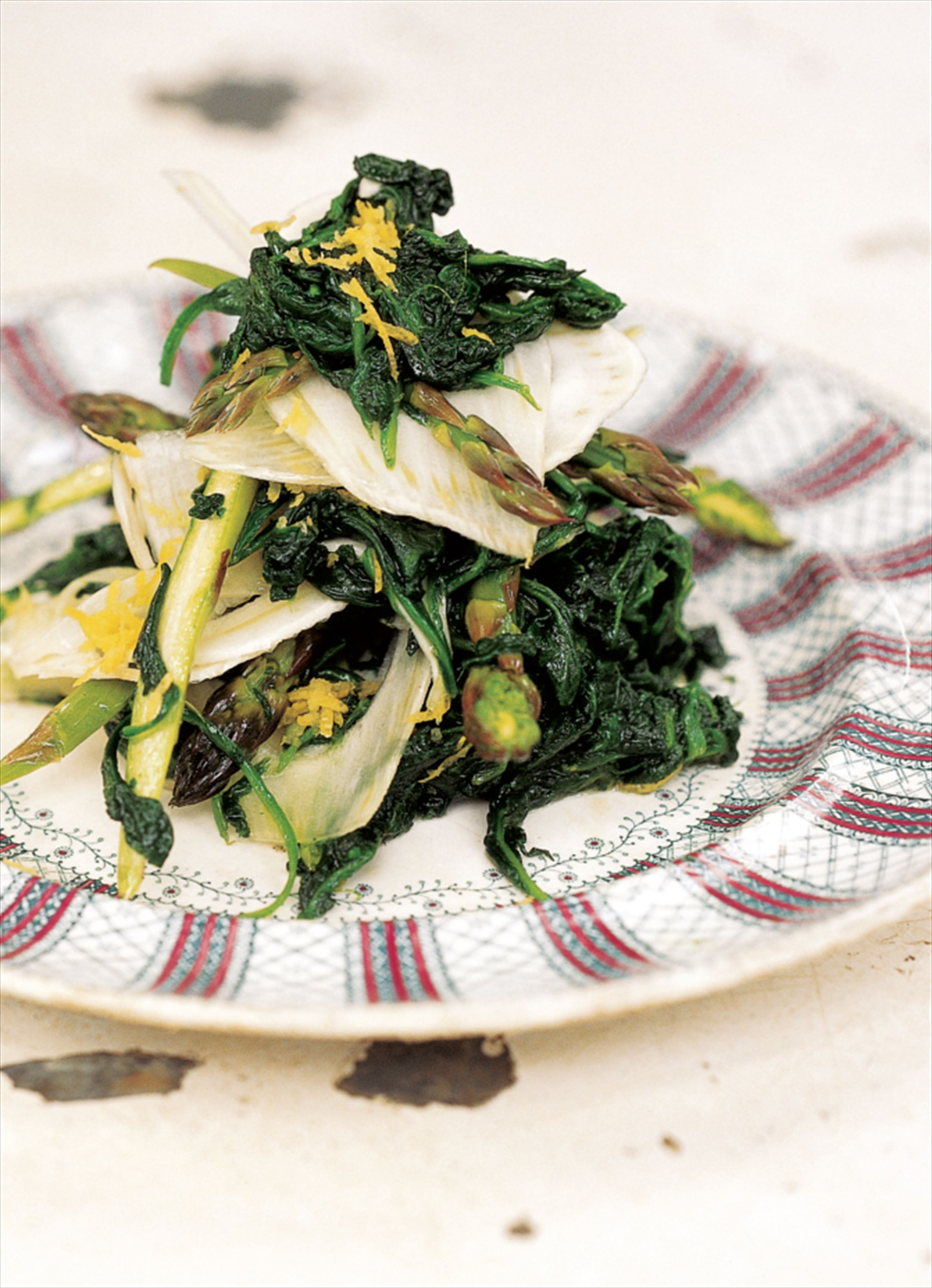 Spinach, fennel and asparagus salad