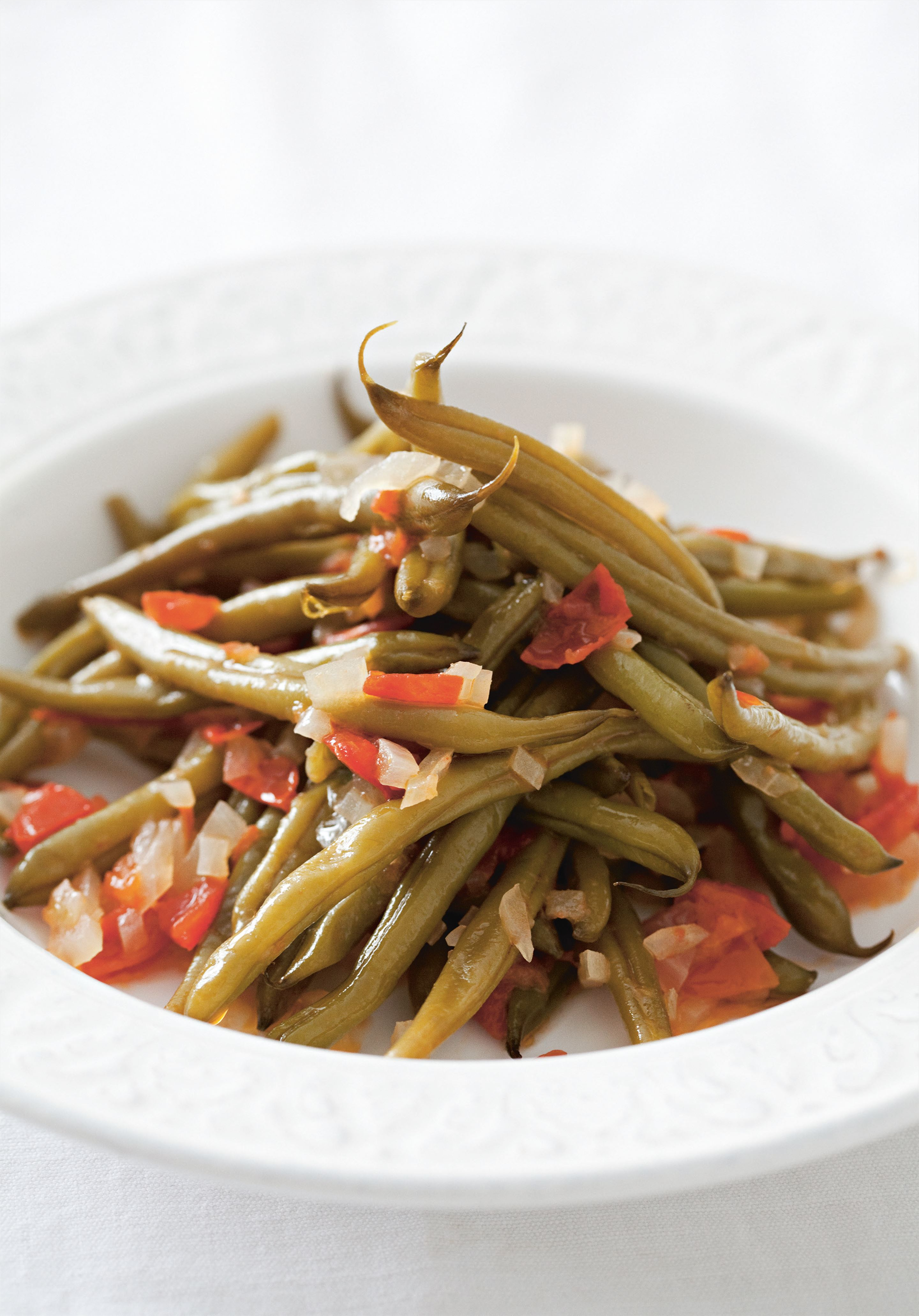 Slow-cooked green beans in olive oil