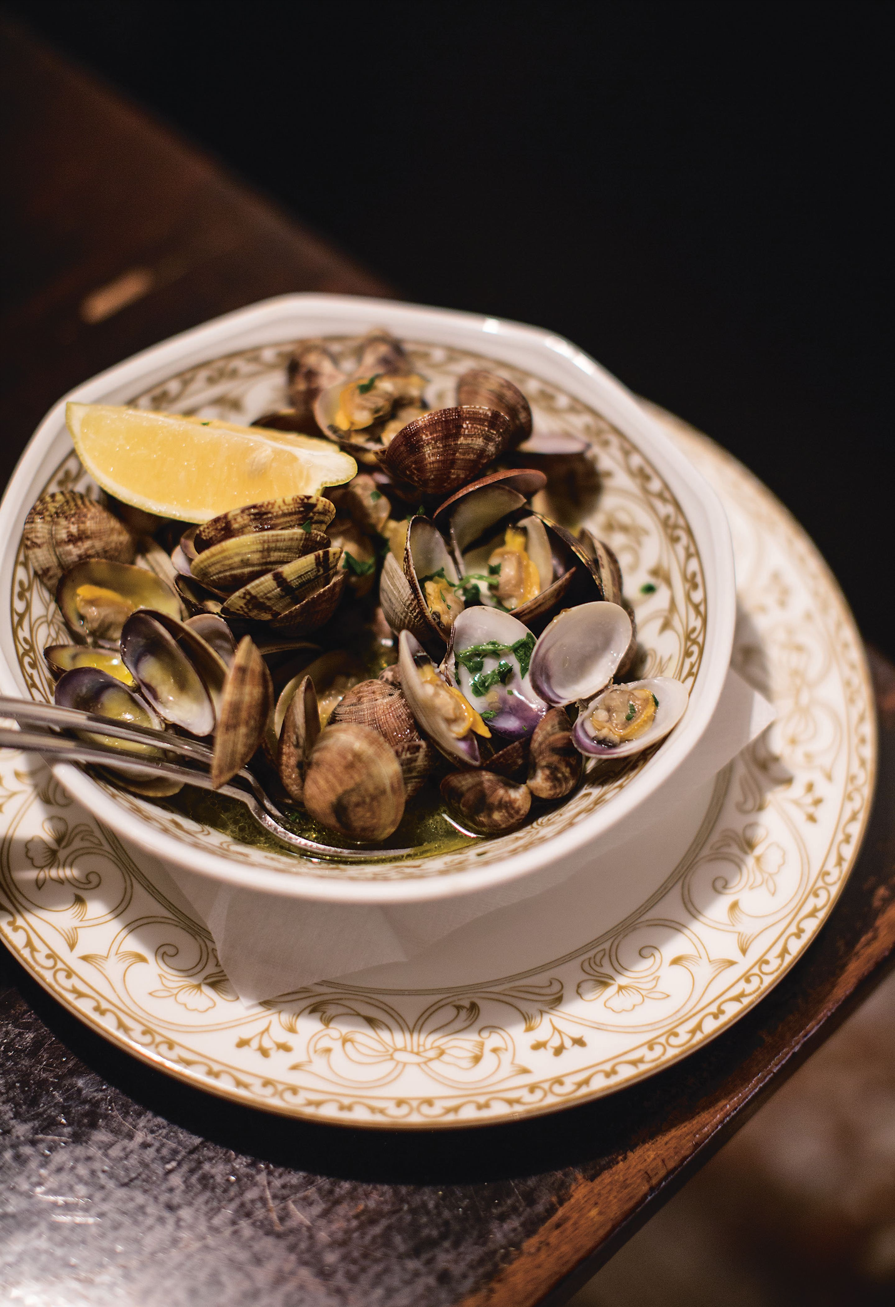 Clams in ginger broth