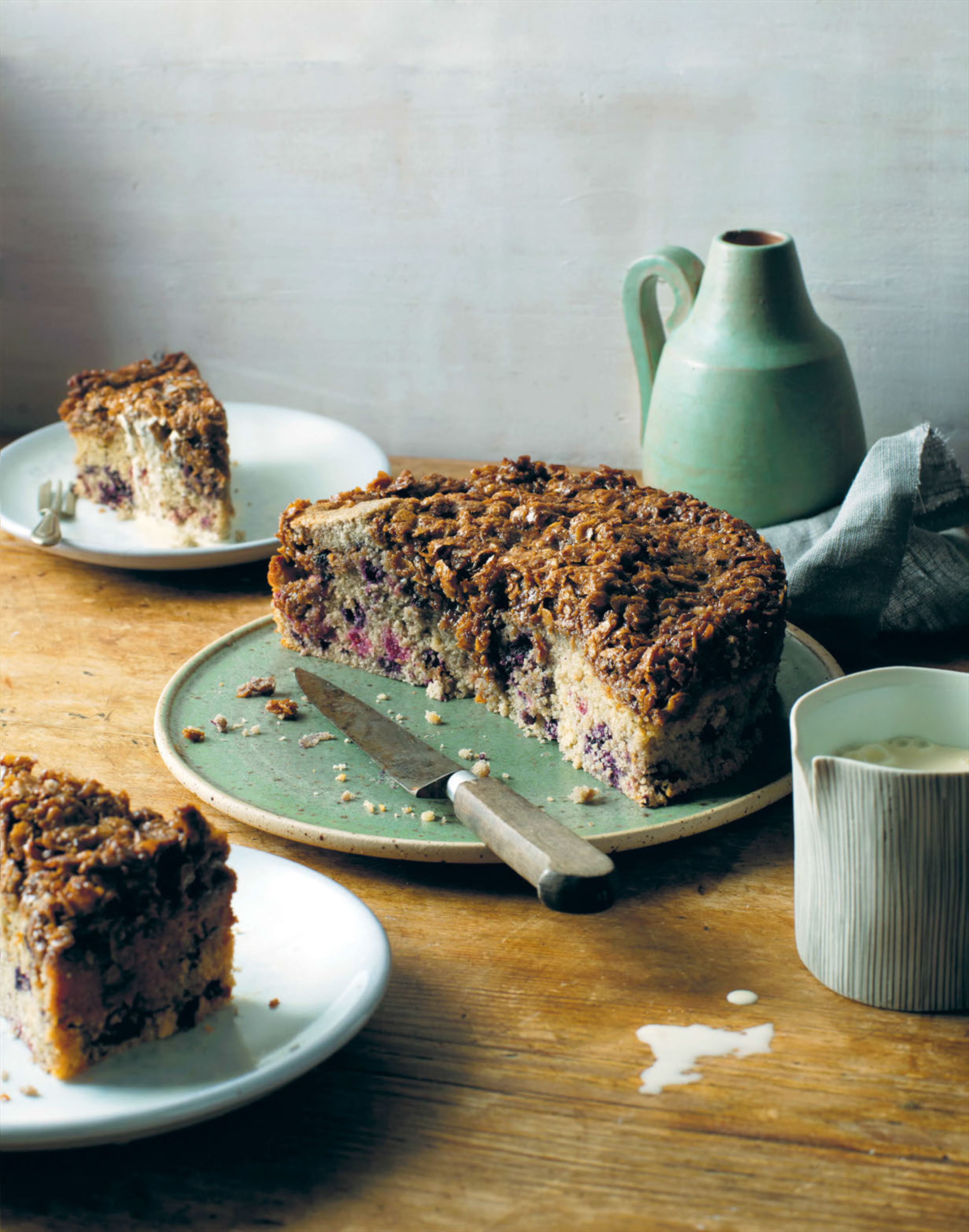 Dream cake with barley & berries