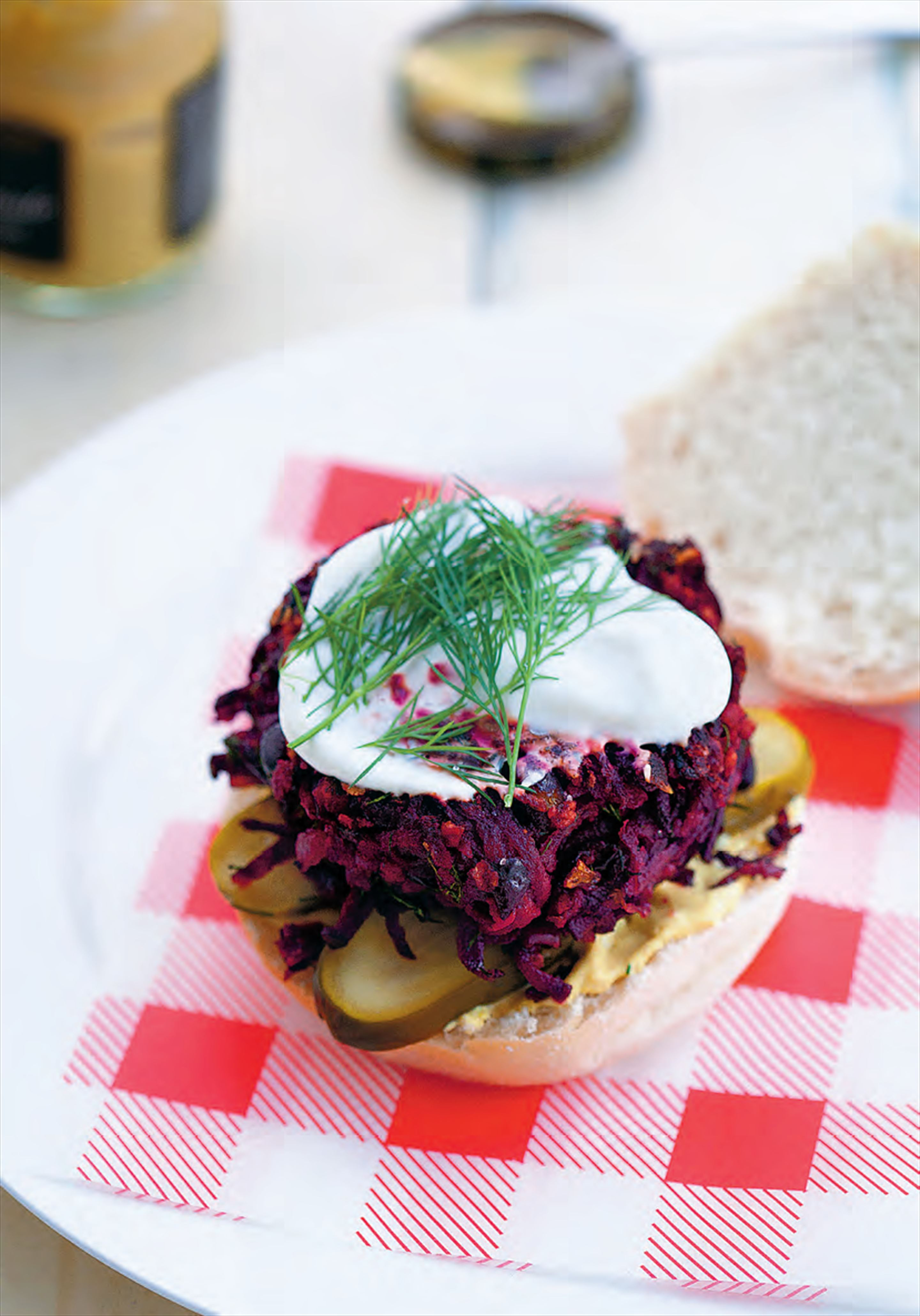 Black bean and beetroot burgers