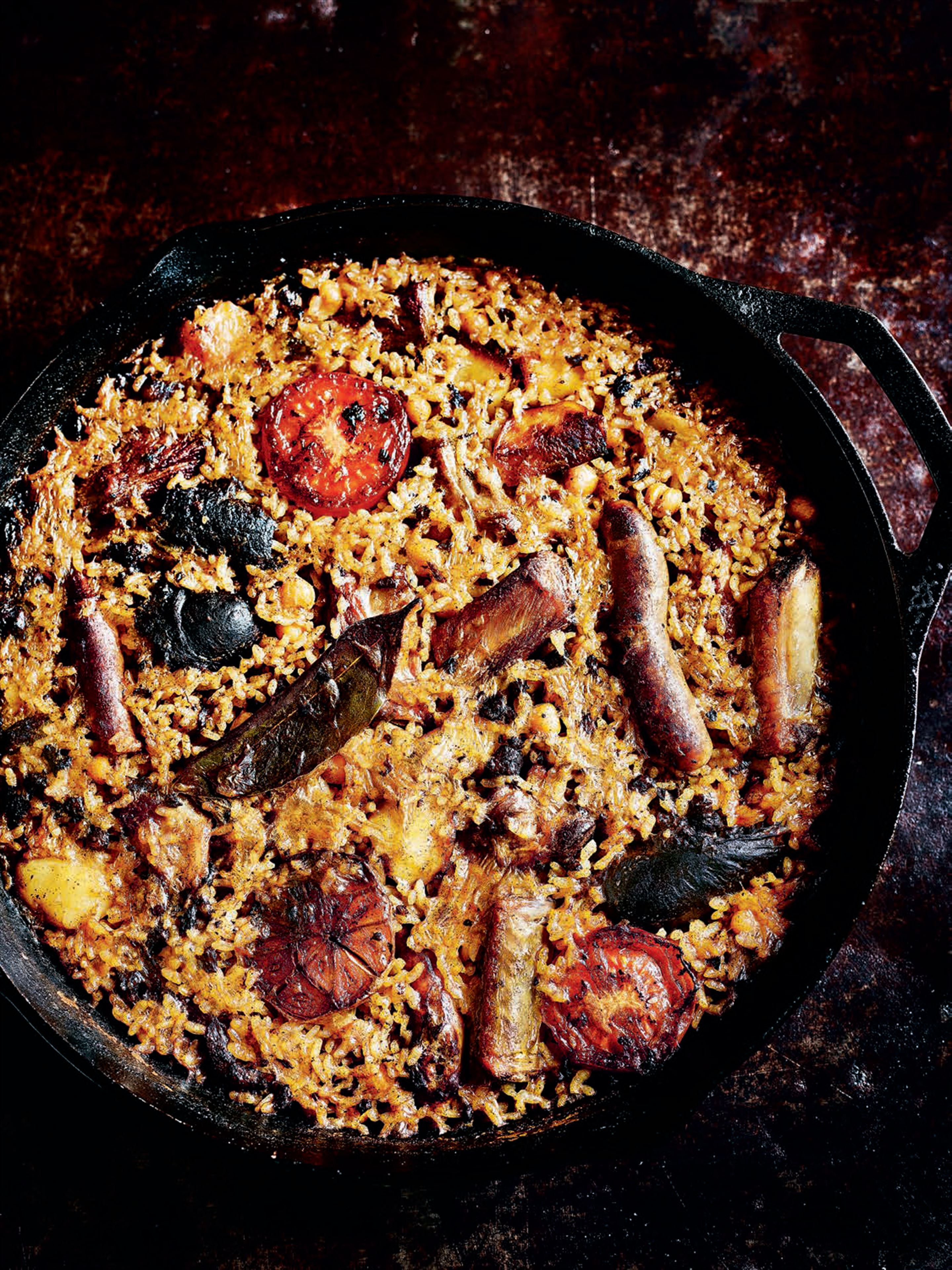 Baked rice with pork ribs and sausage