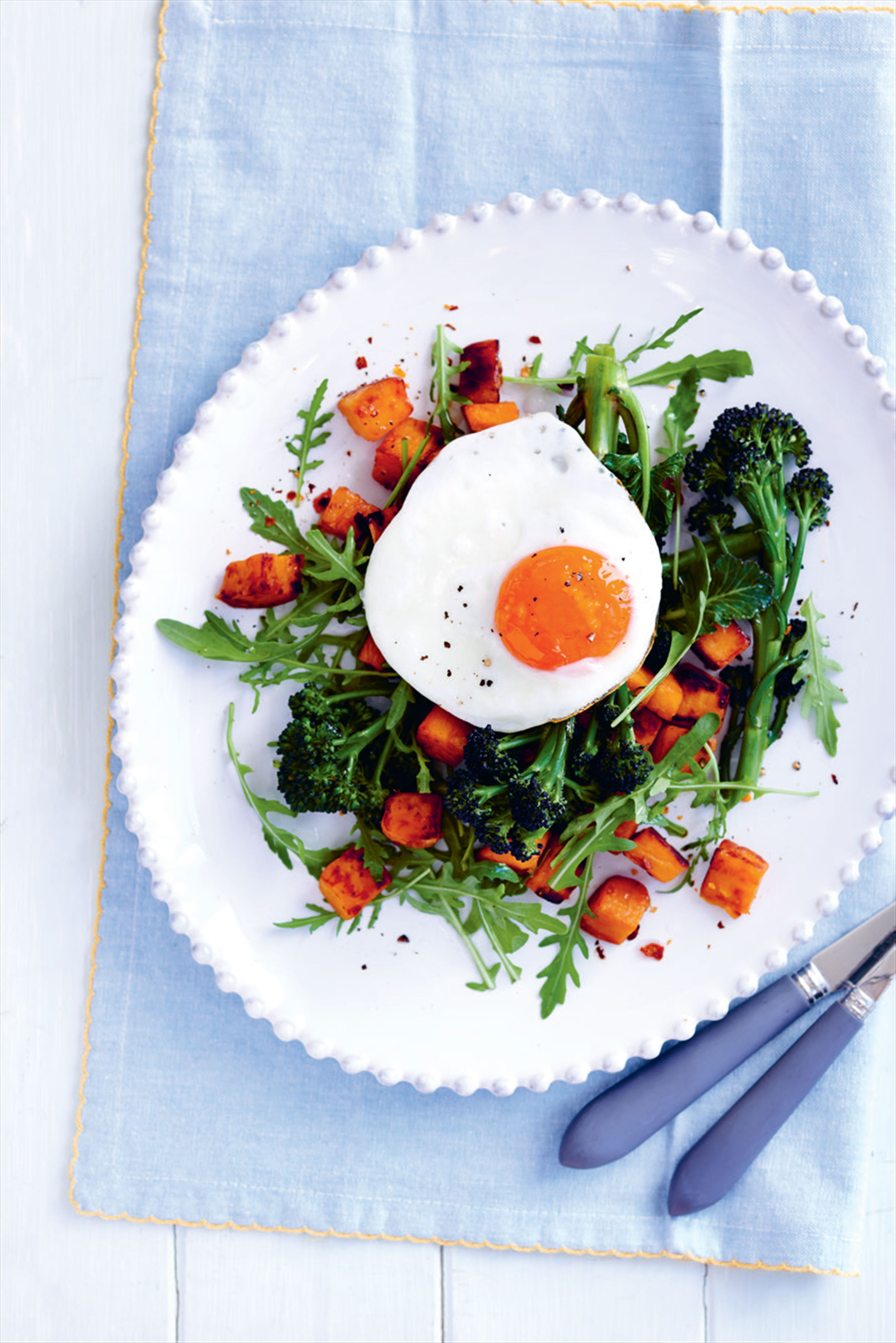Sweet potato and fried egg with rocket