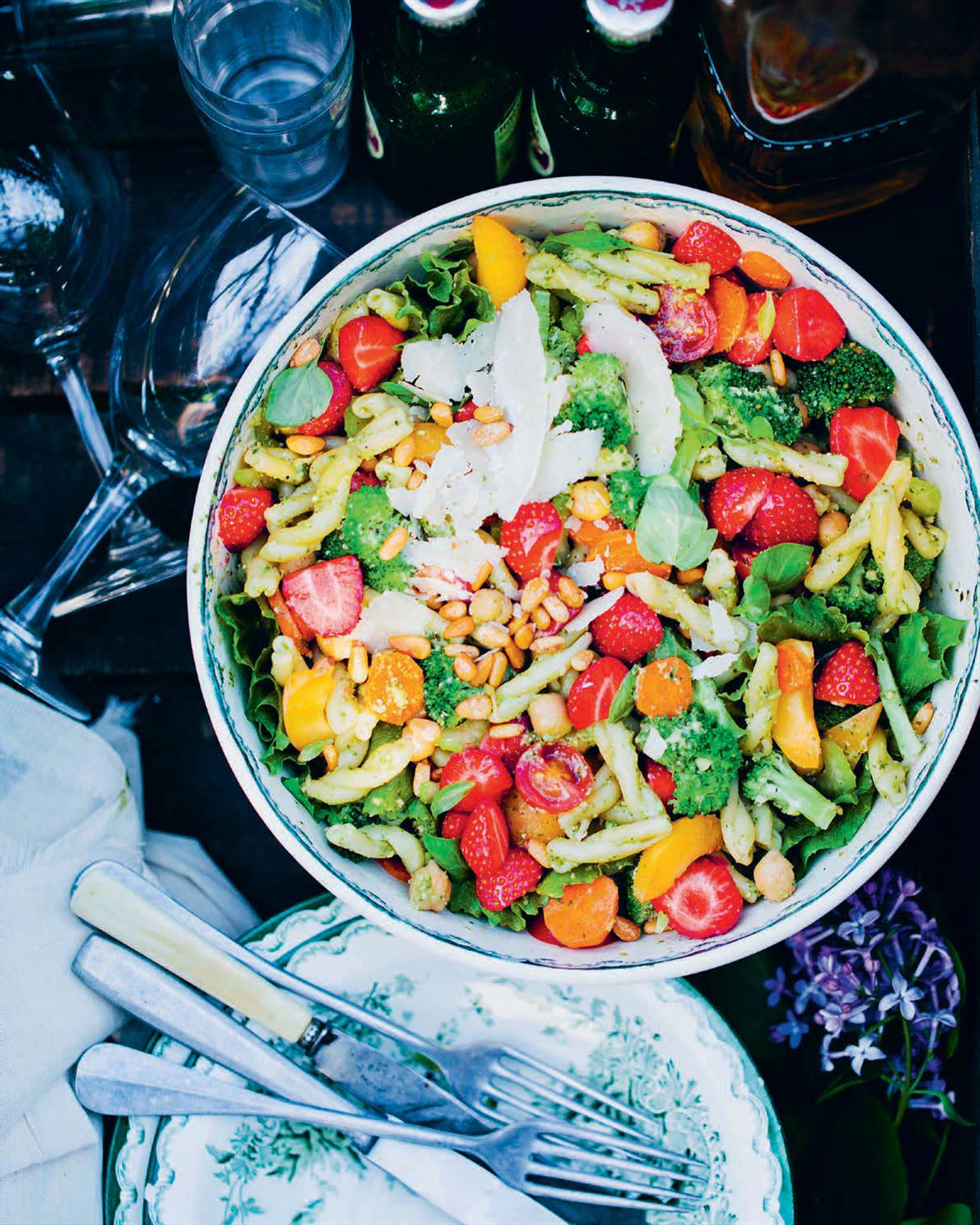 Strawberry and pesto pasta salad